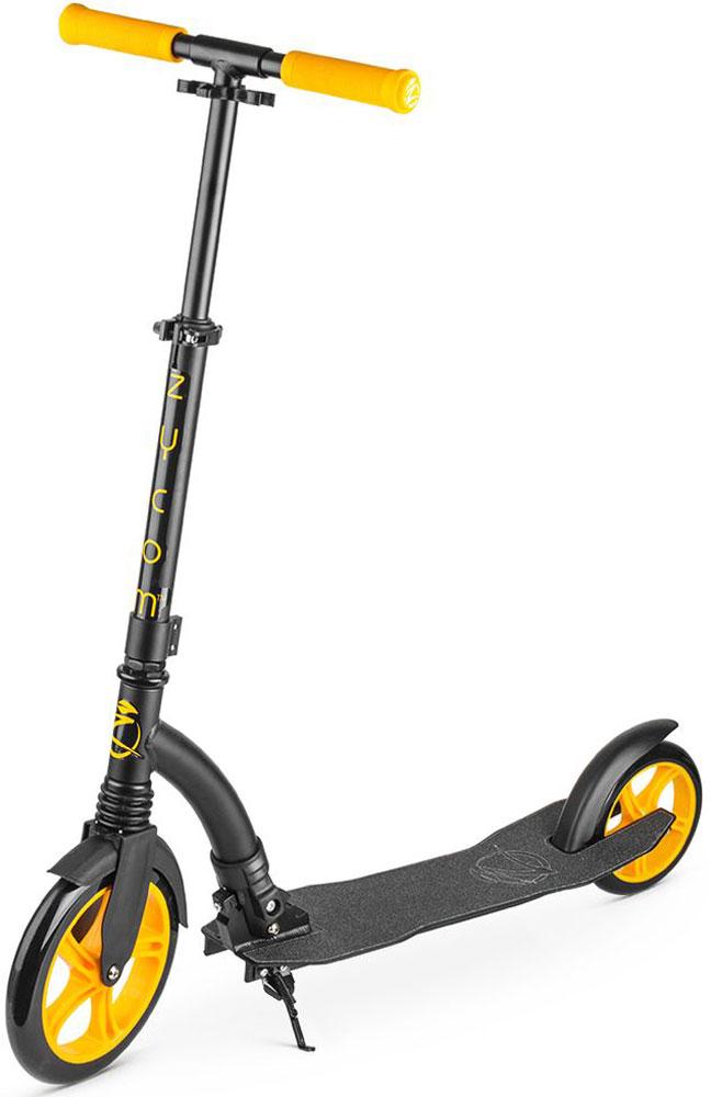 Самокат Zycom Easy Ride 230, цвет: желтый1149144Zycom Easy Ride 230 (Зайком Изи Райд 230) - это усовершенствованная модель самоката, созданного австралийской компанией Зайком Моушен, которая в новом сезоне получила популярные большие колеса - 230 мм спереди и 180 мм сзади.Самокат имеет современный высокоточный подшипник ABEC-5, который используется на передовых катательных устройствах высокого уровня.Колеса сделаны из плотного PU-материала (каучук), который практически не деформируется. Он не прокалывается, также его не нужно постоянно подкачивать. Еще его толщина и строение обеспечивают легкое качественное качение при минимуме усилий. Для комфортной и легкой (как говорит название - Easy Ride) езды по городу у самоката есть все необходимое:1) Большие колеса, которые преодолеют и лужу и поверхность из брусчатки;2) Передний амортизатор, который сгладит вибрацию и удары при неровностях дороги;3) Большой задний тормоз, в который легко попасть ступней и плавно затормозить;4) Широкая и длинная дека (платформа самоката), на которую удобно ставить одну или даже две ноги;5) Регулируемый по высоте руль, благодаря которому вы выберете комфортный для вас уровень - и для ребенка, и для подростка, и для взрослого.6) Складной механизм - самокат в сложенном виден очень компактен и портативен. Австралийская компания Заком Моушен уже более 10 лет присутствует на мировом рынке и выпускает специализированную линейку трюковых самокатов для спортсменов слалома под маркой MDP.Компания знает все потребности и нюансы самокатостроения, имеет большой накопленный опыт. Кроме того, на самокат Zycom Easy Ride распространяется гарантия. Помимо функционала самокат готов предложить вам целых 6 цветовых решений, которые подойдут как ребенку и подростку, так и взрослому.Катайтесь всей семьей на самокат Zycom Easy Ride и проводите драгоценное время вместе в увлекательных поездках!