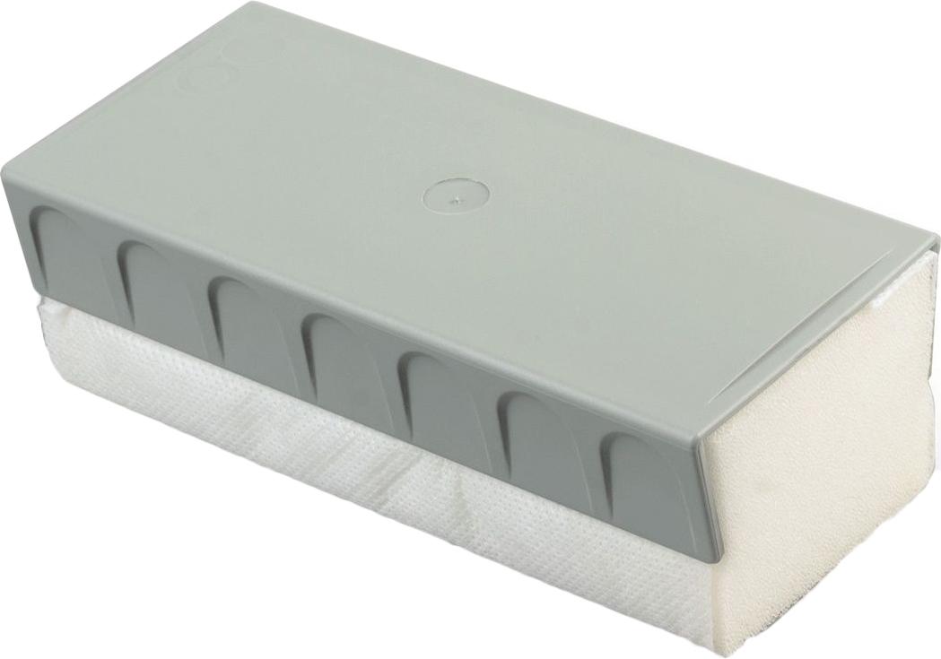 Предназначен для стирания надписей, сделанных маркером для белых досок. Оснащен магнитной пластиной для крепления к доске.