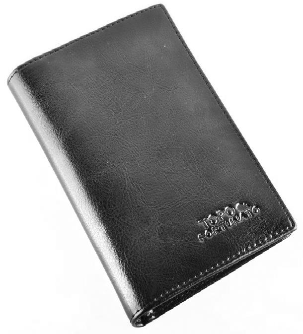 Обложка на паспорт женская Topo Fortunato, цвет: черный. TF 224-093TF 224-093Обложка на паспорт натуральная кожа. Бренд Topo Fortunato. Размер 9,5х13,3 см. С левой стороны кожаный захват, два кармашка для пластиковых карт, прозрачное окошко для пропуска, с правой стороны пластиковый захват.