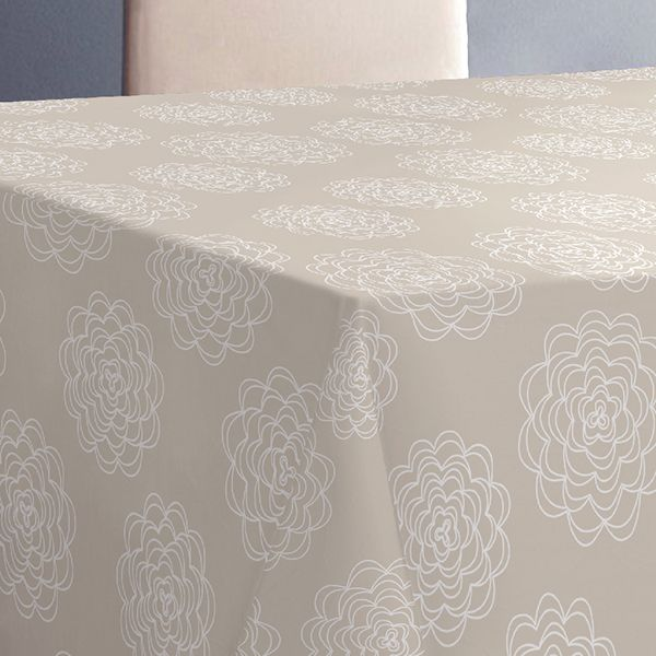 Скатерть Protec Textil Alba. Белла, прямоугольная, 140 х 180 см6125Эксклюзивная и стильная скатерть коллекции Alba в индивидуальной упаковке. Скатерть состоит на 80% из хлопка и на 20% из полиэстера. Специальная обработка придает ткани термостойкость и влагоустойчивость. Технология производства изделий отвечает новейшим европейским стандартам. Полотна отличаются высочайшими качественными характеристиками: высокими показателями износостойкости, цветостойкости и цветопередачи, прочности ткани на разрыв, низкими показателями истираемости полотна при мнокократном использовании изделия. Скатерть обладает высокой плотностью, не скользит и не перемещается на поверхности стола, легко протирается влажной тканью, возможна деликатная стирка при температуре не выше 30 градусов. Коллекция скатертей Alba - это тренд современной хозяйки, которая предпочитает стиль и качество в сочетании с практичностью.