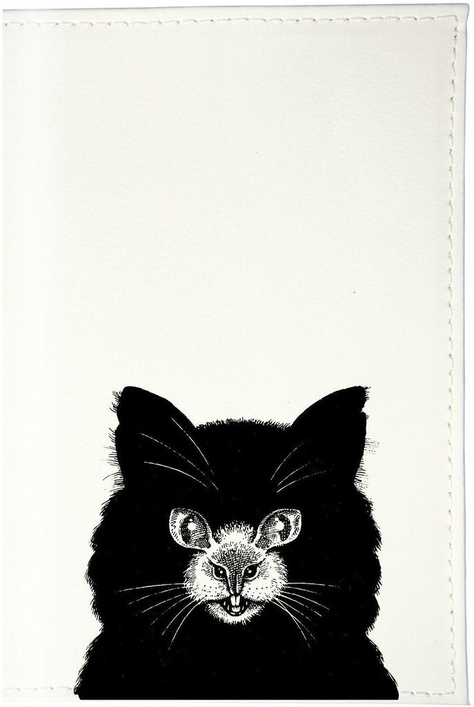 Обложка для паспорта Mitya Veselkov Кошка или мышь, цвет: черный, белый. OZAM431OZAM431Обложка для паспорта Mitya Veselkov выполнена из приятного наощупь качестенного винила. Такая обложка не только поможет сохранить внешний вид ваших документов и защитит их от повреждений, но и станет стильным аксессуаром, идеально подходящим вашему образу. Яркая и оригинальная обложка подчеркнет вашу индивидуальность и изысканный вкус. Обложка для паспорта стильного дизайна может быть достойным и оригинальным подарком. Обложка подходит как для российского, так и для заграничного паспорта. Размер: 13,8 x 9,5 см.