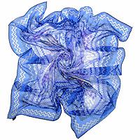 Платок Venera, цвет: синий, 130 см х 130 см. 59002295900229Платок с оригинальным рисунком подчеркнет ваш стильный образ. Края платка обработаны вручную.Если Вы любите фантазировать и не страшитесь экспериментов с собственным имиджем - попробуйте превратить платок в браслет, головную повязку или легкий аксессуар для дамской сумочки.