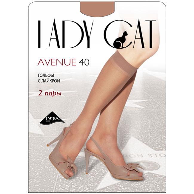 Гольфы женские Грация Lady Cat Avenue 40, цвет: загар. Размер универсальныйAvenue 40Тонкие эластичные гольфы Грация Lady Cat Avenue 40 - удобные и комфортные сусиленным мыском.В коллекциях колготокГрацияпредставлены модели, которые станут удачным дополнением к гардеробу любой женщины. Модели с заниженной и классической линией талии, совсем тоненькие с эффектом прохлады для жарких дней и утепленные с добавлением шерсти. Любая модница знает, что особое внимание при выборе одежки для своих ножек следует уделять фактуре изделия. В коллекции колготокГрациявы найдете и шелковистые колготки с добавлением лайкры, которые окутают ваши ножки легким мерцанием, и более строгие матовые модели. Но главная особенность колготокГрация- их практичность: они устойчивы к появлению затяжек и очень прочны. В особенно уязвимых зонах многие модели специально уплотнены, что обеспечивает дополнительную защиту.
