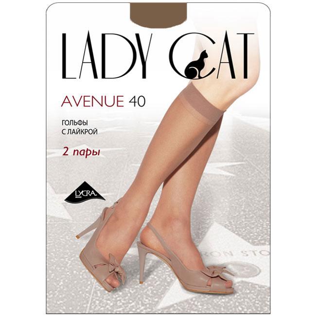Гольфы женские Грация Lady Cat Avenue 40, цвет: дымчатый. Размер универсальныйAvenue 40Тонкие эластичные гольфы Грация Lady Cat Avenue 40 - удобные и комфортные сусиленным мыском.В коллекциях колготокГрацияпредставлены модели, которые станут удачным дополнением к гардеробу любой женщины. Модели с заниженной и классической линией талии, совсем тоненькие с эффектом прохлады для жарких дней и утепленные с добавлением шерсти. Любая модница знает, что особое внимание при выборе одежки для своих ножек следует уделять фактуре изделия. В коллекции колготокГрациявы найдете и шелковистые колготки с добавлением лайкры, которые окутают ваши ножки легким мерцанием, и более строгие матовые модели. Но главная особенность колготокГрация- их практичность: они устойчивы к появлению затяжек и очень прочны. В особенно уязвимых зонах многие модели специально уплотнены, что обеспечивает дополнительную защиту.