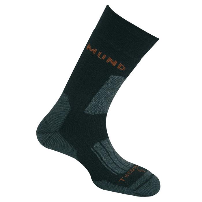 Термоноски Mund Everest, цвет: черный. 403. Размер M (36-40)403Высокие двухслойные носки для зимних восхождений. Сохраняют тепло при температуре до -30°С. Использование специальных спиралевидных и полых внутри волокон Thermolite обеспечивает комфорт сухого тепла, а так же отведение влаги с поверхности ступни. Сохраняет свои согревающие свойства во влажном состоянии. Носок содержит минимальное количество лайкры для оптимального облегания ноги.