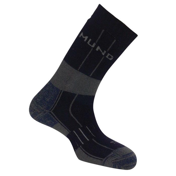 Термоноски Mund Himalaya, цвет: серый. 306. Размер M (36-40)306Зимние треккинговые носки из шерстяной нити. Сохраняют тепло при температуре до -20°С. Использование спиралевидных и полых внутри волокон Thermolite обеспечивает комфорт сухого тепла, а так же отведение влаги с поверхности ступни. Сохраняет свои согревающие свойства во влажном состоянии. Носок содержит минимальное количество лайкры для оптимального облегания ноги.