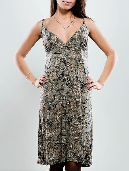 Платье Hammond, цвет: серый. 1-12-5-36. Размер 421-12-5-36Стильное платье свободного кроя, изготовленное из высококачественного материала, очень мягкое на ощупь, не раздражает даже самую нежную и чувствительную кожу и хорошо вентилируется. Модель с глубоким V-образным вырезом на тонких двойных лямках.В таком наряде вы безусловно привлечете восхищенные взгляды окружающих.