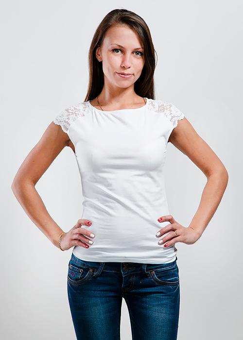 Футболка женская Lowry, цвет: белый. LM-221. Размер M (44/46)LM-221Стильная женская классическая футболка с короткими кружевными рукавами, изготовленная из хлопка с добавлением лайкры, прекрасно подойдет для любого типа фигуры.Такая замечательная футболка станет как отличным украшением гардероба, так и восхитительным подарком. В ней вы всегда будет в центре внимания!