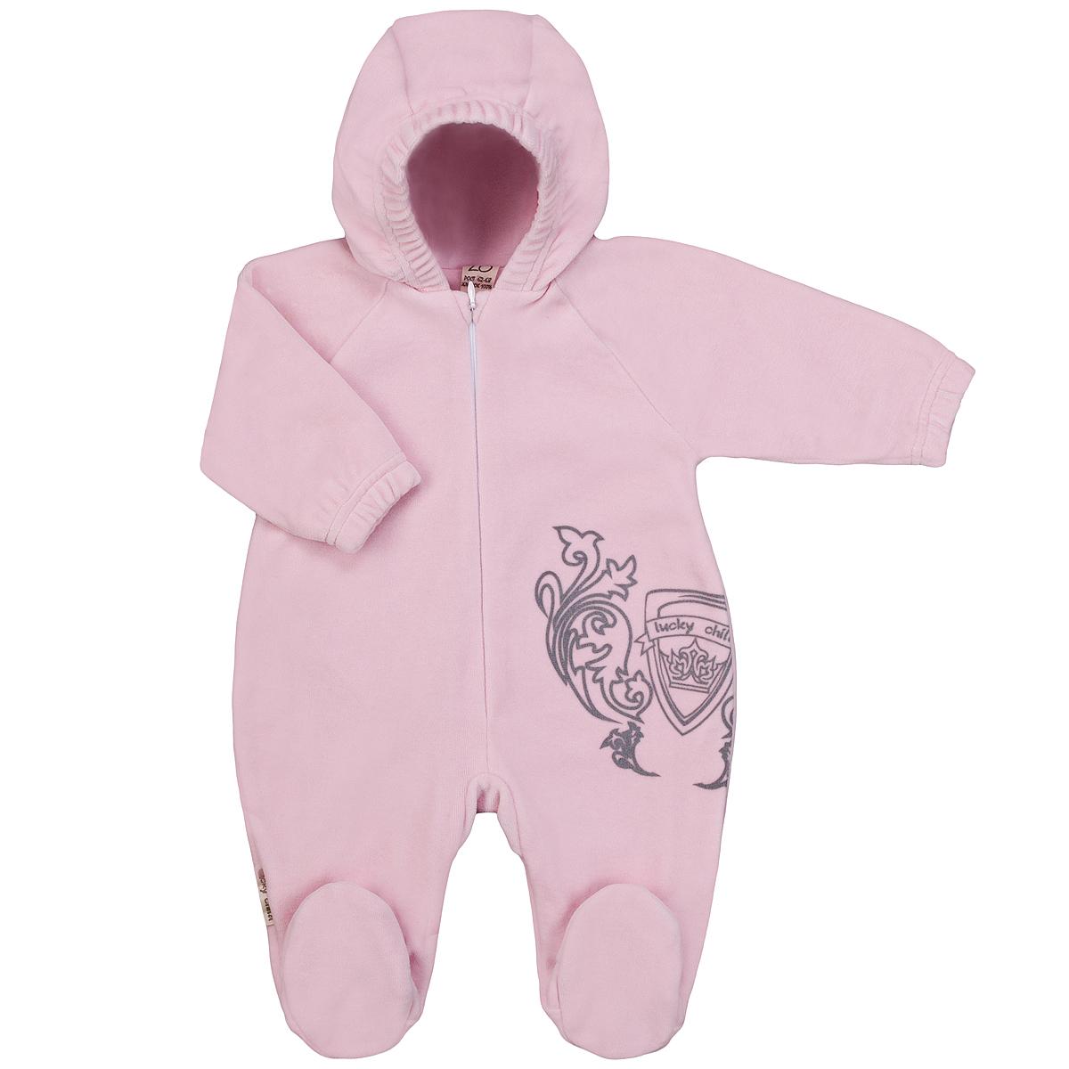 Комбинезон детский Lucky Child, цвет: розовый. 5-4. Размер 74/805-4Детский комбинезон с капюшоном Lucky Child - очень удобный и практичный вид одежды для малышей. Комбинезон выполнен из велюра на подкладке из натурального хлопка, благодаря чему он необычайно мягкий и приятный на ощупь, не раздражают нежную кожу ребенка и хорошо вентилируются, а эластичные швы приятны телу малышки и не препятствуют ее движениям. Комбинезон с длинными рукавами-реглан и закрытыми ножками по центру имеет потайную застежку-молнию, которая помогает легко переодеть младенца или сменить подгузник. Спереди он оформлен оригинальным принтом в виде логотипа бренда. Рукава понизу дополнены неширокими эластичными манжетами, которые мягко обхватывают запястья. С детским комбинезоном Lucky Child спинка и ножки вашего малыша всегда будут в тепле. Комбинезон полностью соответствует особенностям жизни младенца в ранний период, не стесняя и не ограничивая его в движениях!