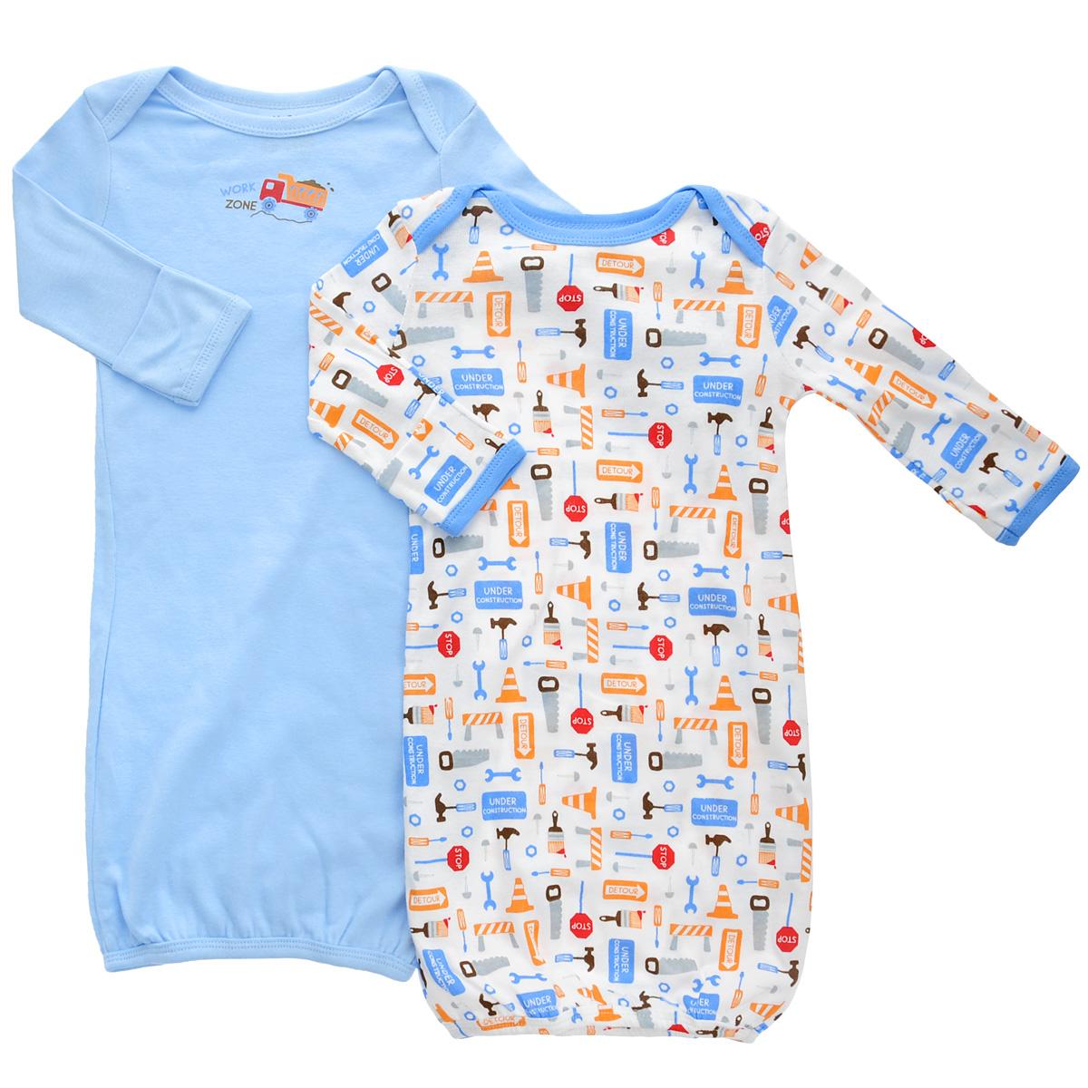 Ночная сорочка детская Luvable Friends, цвет: голубой, белый, 2 шт. 33010. Размер 55/67, 0-6 месяцев33010Детская ночная сорочка Luvable Friends с длинными рукавами послужит идеальным дополнением к гардеробу вашего малыша, обеспечивая ему наибольший комфорт во время сна. Сорочка изготовлена из натурального хлопка, благодаря чему она необычайно мягкая и легкая, не раздражает нежную кожу ребенка и хорошо вентилируется, а эластичные швы приятны телу младенца и не препятствуют его движениям. Удобные запахи на плечах помогают легко переодеть младенца, а широкое, растягивающееся отверстие снизу позволяет легко менять подгузник в случае необходимости. Рукава снизу дополнены антицарапками. Ночная сорочка полностью соответствует особенностям жизни ребенка в ранний период, не стесняя и не ограничивая его в движениях.В комплект входят две сорочки: одна - однотонного цвета, а другая оформлена оригинальным принтом.
