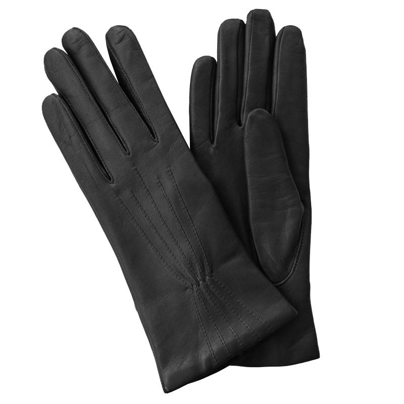 Перчатки женские Edmins, цвет: черный. Э-2L. Размер 6,5Э-2L_163Стильные женские перчатки Edmins не только защитят ваши руки от холода, но и станут великолепным украшением. Перчатки выполнены из натуральной кожи ягненка, подкладка - из шерсти. Перчатки с лицевой стороны оформлены декоративными строчками. В настоящее время перчатки являются неотъемлемой принадлежностью одежды, вместе с этим аксессуаром вы обретаете женственность и элегантность. Перчатки станут завершающим и подчеркивающим элементом вашего стиля и неповторимости.