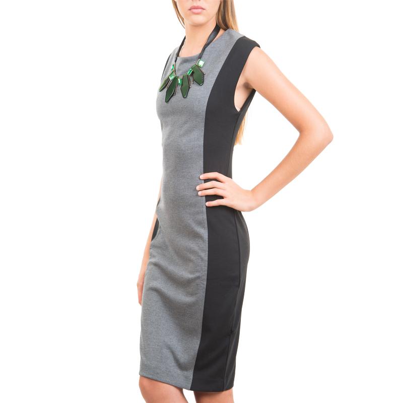 Платье SELA, цвет: темно-серый меланж. Dksl-103/324-3308. Размер S (44)Dksl-103/324-3308Стильное платье Sela выполнено из плотного трикотажного материала. Платье приталенного силуэта с круглым вырезом горловины, без рукавов отлично подчеркнет женственность и красоту вашей фигуры. Платье застегивается на потайную молнию на спинке. Элегантное платье - для девушки, стремящейся всегда оставаться стильной и яркой.