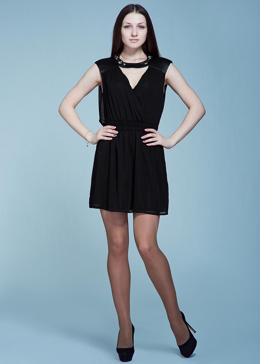 Платье Met, цвет: черный. 70DVE0447G180. Размер S (42)70DVE0447G180Стильное коктейльное платье Met прекрасный выбор для торжественных случаев. Выполнено из тонкой полупрозрачной ткани с подкладкой из полиэстера. Удачный крой с приталенным силуэтом, подчеркнутым широким поясом-резинкой, выигрышно облегает фигуру. Спереди и на спинке расположены V-образные вырезы. Модель по линии выреза декорирована стразами и расшита бусинами.Великолепное решение для вечеринки или свидания.