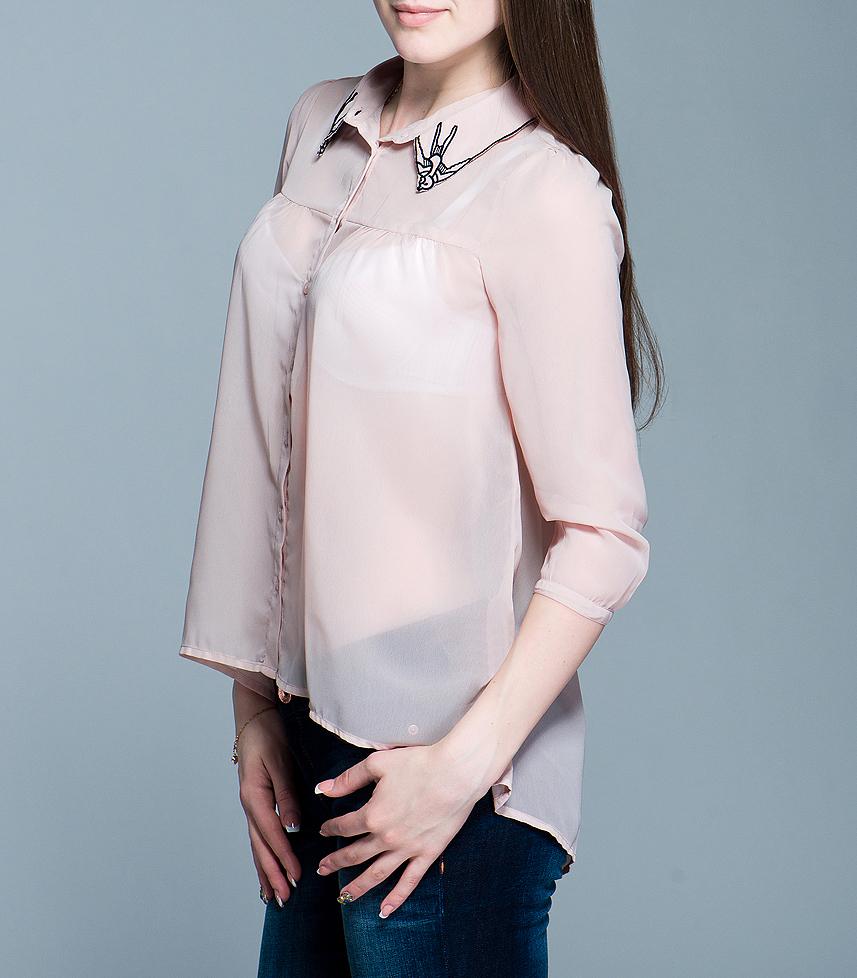 Блуза ICHI, цвет: бежевый. 100593. Размер M (44/46)100593Стильная женская блуза ICHI, выполненная из высококачественного материала, - замечательный вариант для создания женственного образа. Блуза свободного кроя с рукавами ? застегивается на пуговицы. Отложной воротничок оформлен вышивками в виде ласточек.Такая блуза будет дарить вам комфорт в течение всего дня и послужит замечательным дополнением к вашему гардеробу.
