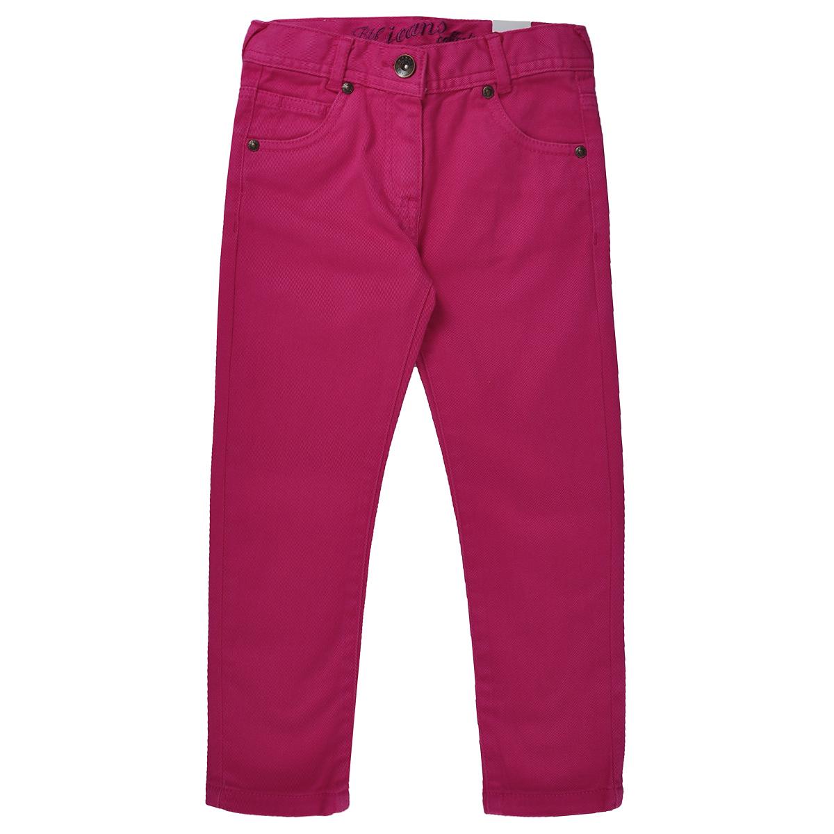 Брюки для девочки Boboli, цвет: коралловый. 496021. Размер 8л, 128 см496021Стильные и яркие брюки для девочки Boboli идеально подойдут вашей маленькой принцессе для отдыха и прогулок. Изготовленные из эластичного хлопка, они необычайно мягкие и приятные на ощупь, не сковывают движения малышки и позволяют коже дышать, не раздражают даже самую нежную и чувствительную кожу ребенка, обеспечивая ему наибольший комфорт. Брюки чуть зауженного кроя на талии застегиваются на металлическую пуговицу и имеют ширинку на застежке-молнии, имеются шлевки для ремня. С внутренней стороны пояс регулируется резинкой на пуговицах. Модель имеет классический пятикарманный крой: спереди - два втачных кармашка и один маленький накладной, а сзади - два накладных кармана. Оригинальный современный дизайн и модная расцветка делают эти брюки модным и стильным предметом детского гардероба. В них ваша малышка всегда будет в центре внимания!