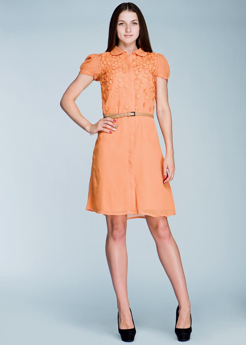 Платье Van-Dos, цвет: оранжевый. 4.75.764.04. Размер 42 (46)4.75.764.04Стильное платье Van-Dos изготовлено из вискозы, оно подарит вам уверенность и хорошее настроение.Модель на подкладке, прямого покроя, с отложным воротником и короткими рукавами-фонариками. Платье спереди по всей длине застегивается на скрытые под планкой пуговицы. Рукава и воротник из ткани в сетку. На груди миниатюрные цветочки из ткани. К платью прилагается тонкий ремешок из искусственной кожи. Платье оригинального дизайна придется по вкусу романтичным девушкам.
