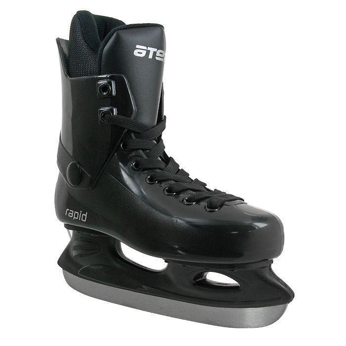 Коньки хоккейные Atemi Rapid 2015, цвет: черный.Размер 34Atemi Rapid 2015 BlackПрогулочные коньки для свободного катания на льду. Ботинок: морозоустойчивый ударопрочный пластик, мягкий внутренний сапожок из современного утеплителя. Колодка: специальная широкая для комфортной посадки ноги. Лезвие: углеродистая сталь.