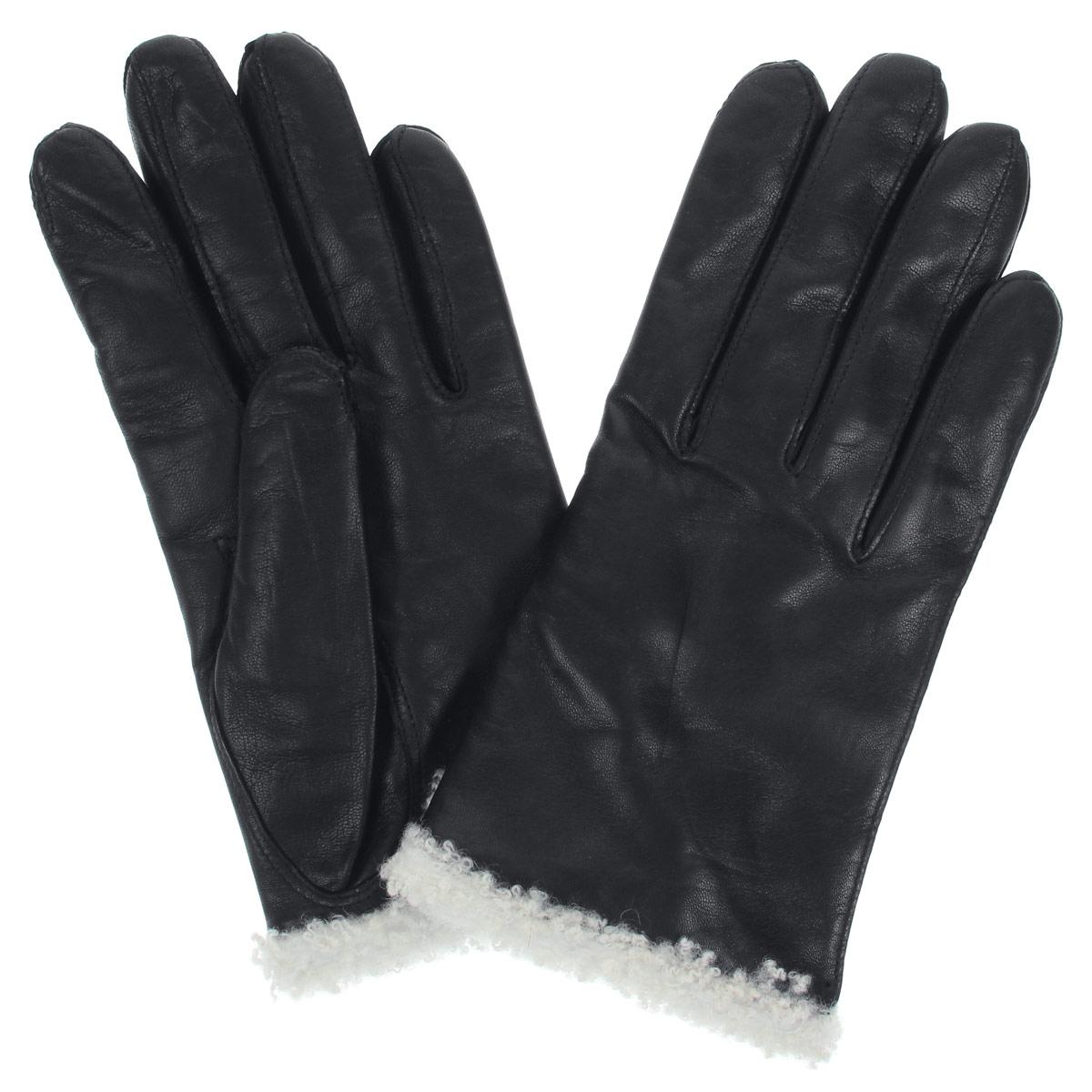 Перчатки женские Bartoc, цвет: черный. DF12-2300.agne. Размер 6,5DF12-2300.agneСтильные женские перчатки Bartoc не только защитят ваши руки от холода, но и станут великолепным украшением. Они выполнены из мягкой и приятной на ощупь натуральной кожи ягненка, подкладка - из шерсти. Декорированы перчатки по краю оторочкой из шерсти ягненка. На тыльной стороне изделия имеется небольшой разрез. Укороченная, но теплая модель, особо удобна автомобилистам зимой.Перчатки являются неотъемлемой принадлежностью одежды, вместе с этим аксессуаром вы обретаете женственность и элегантность. Они станут завершающим и подчеркивающим элементом вашего неповторимого стиля и индивидуальности.