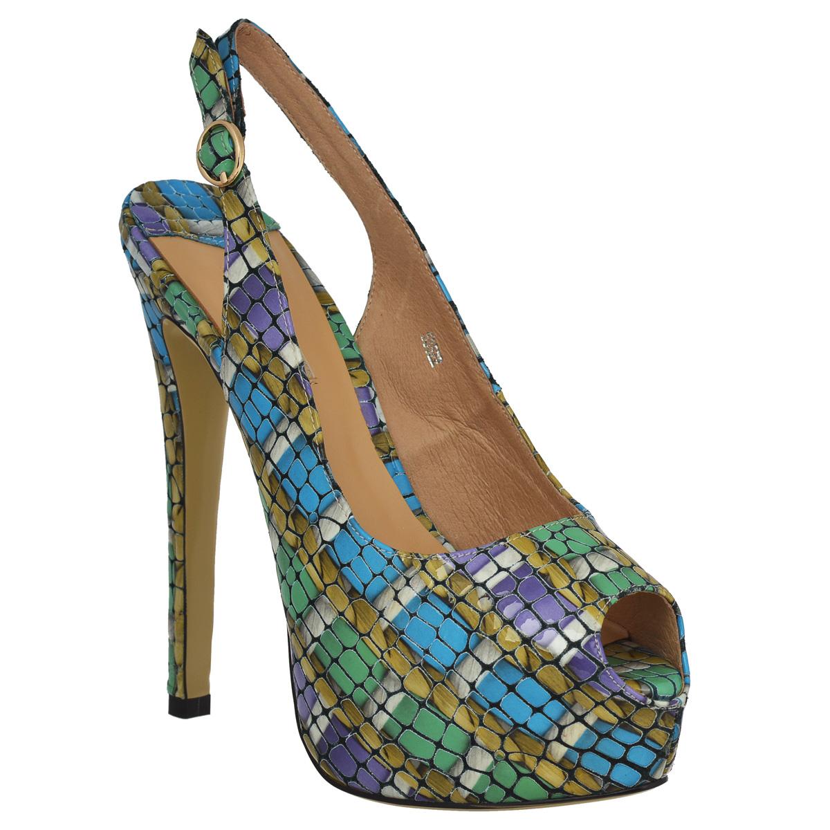 Босоножки Vitacci, цвет: синий, фиолетовый, зеленый. 53522. Размер 4053522Яркие босоножки Vitacci заинтересуют вас своим дизайном. Модель изготовлена из натуральной лакированной кожи и декорирована оригинальным тиснением, стильным абстрактным принтом. Открытый носок смотрится женственно. Открытый задник дополнен кожаным ремешком с металлической пряжкой закругленной формы, который обеспечивает прочную фиксацию модели на щиколотке. Длина ремешка регулируется за счет болта. Стелька из натуральной кожи позволяет ногам дышать. Ультравысокий каблук компенсирован скрытой платформой. Подошва - с противоскользящим рифлением.Эффектные босоножки помогут вам создать яркий запоминающийся образ.