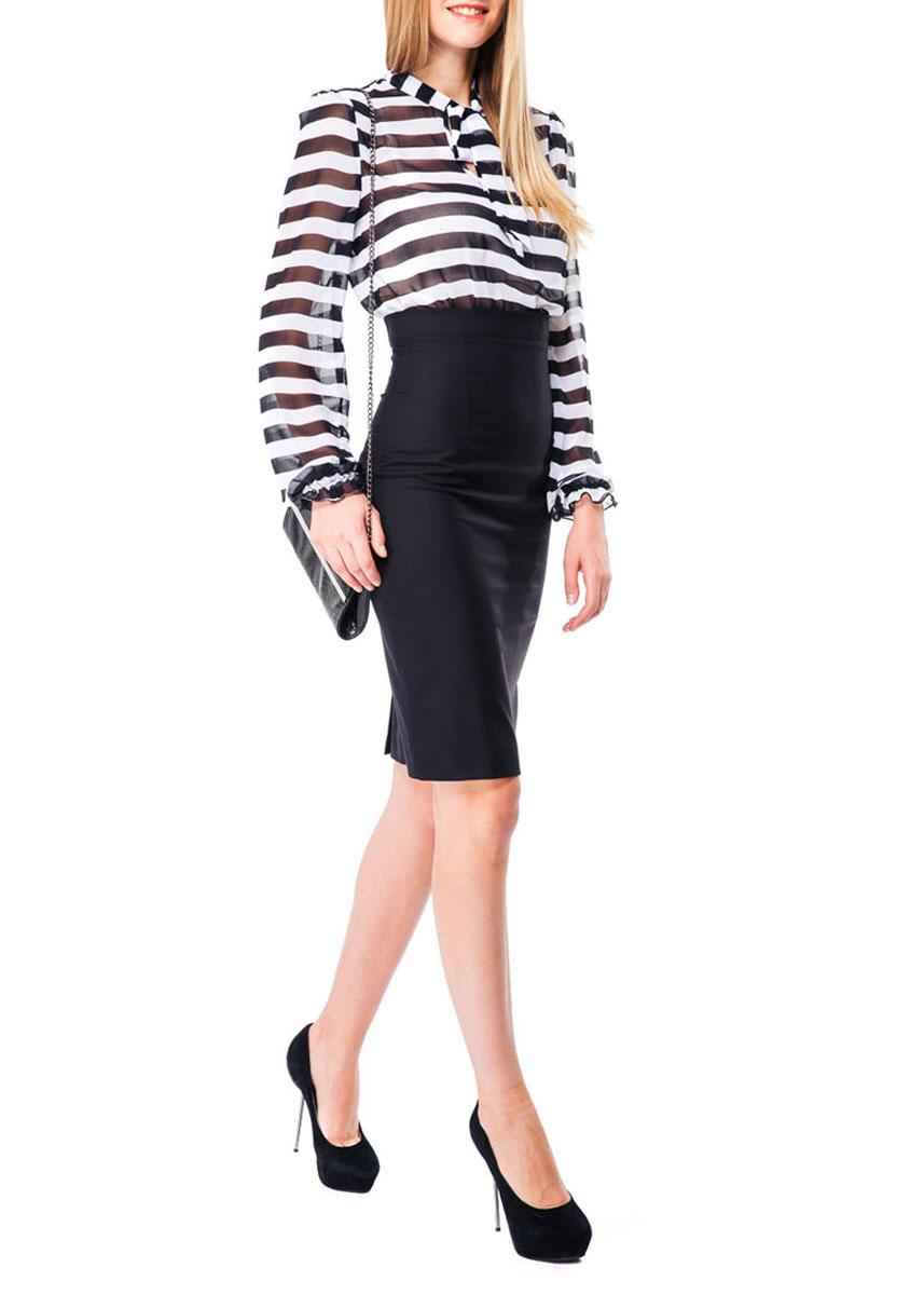 Платье Mondigo, цвет: белый, черный. 5131. Размер 465131Элегантное платье Mondigo облегающего силуэта выполнено из комбинации двух материалов разной фактуры. Модель с длинным свободным рукавом и воротником-стойкой. На груди предусмотрен вырез в форме капли и длинные завязки. Манжеты собраны на резинку.Верхняя часть платья выполнена из легкого полупрозрачного креп-шифона с полосатым принтом, нижняя часть - из текстильной ткани, которая прекрасно держит форму.Стильная модель визуально создает эффект два в одном - блузки и юбки-карандаш. Модель дополнена потайной молнией сбоку и небольшим разрезом сзади. Эффектное платье - идеальный вариант для создания женственного образа.