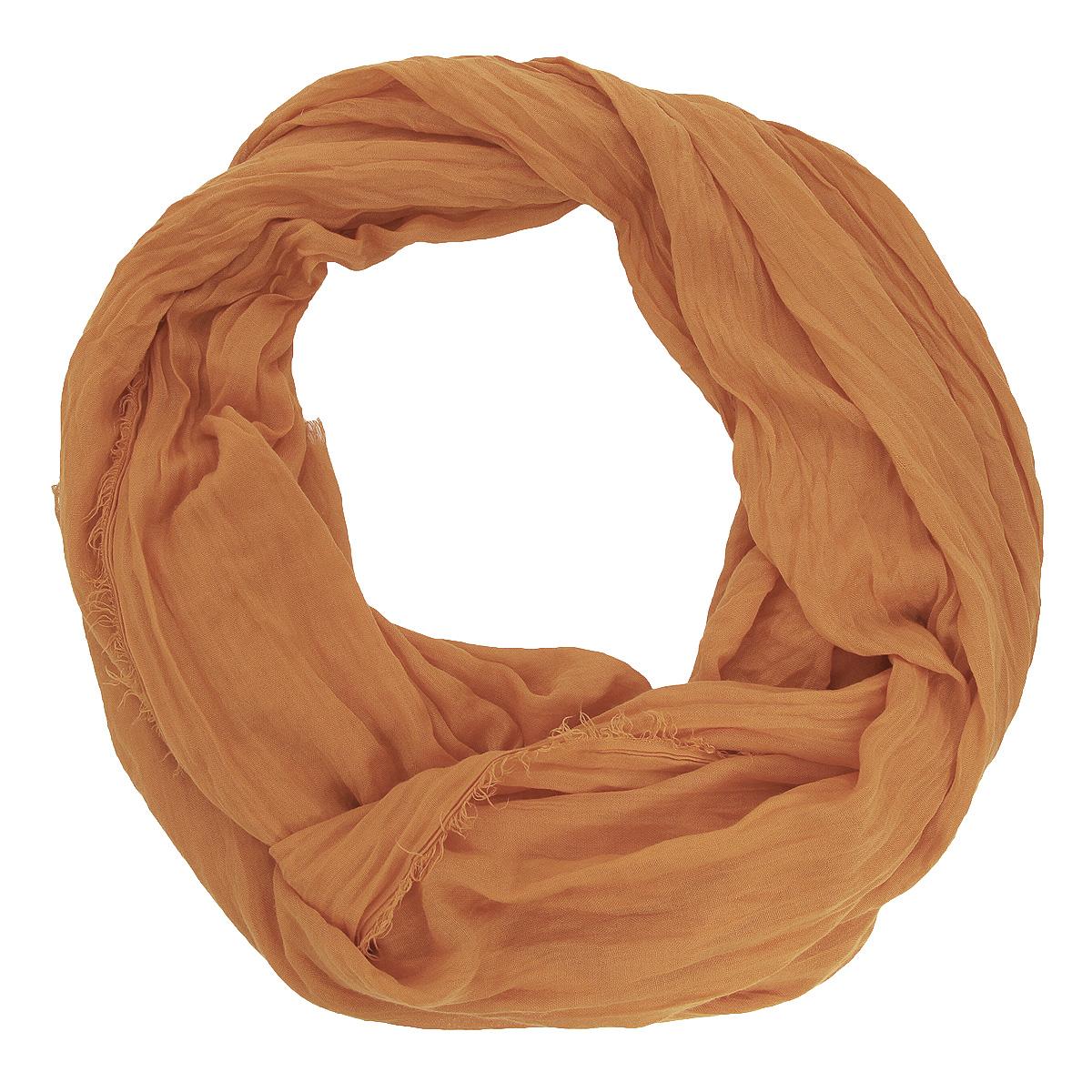 Палантин Venera, цвет: светло-коричневыый. 3401041-19. Размер 100 см х 190 см3401041-19 ПалантинОчаровательный палантин Venera подчеркнет ваш неповторимый образ. Изделие выполнено из вискозы в лаконичном дизайне. По краю палантин декорирован бахромой. Материал очень мягкий и приятный на ощупь, хорошо драпируется. Этот модный аксессуар женского гардероба гармонично дополнит образ современной женщины, следящей за своим имиджем и стремящейся всегда оставаться стильной и элегантной.