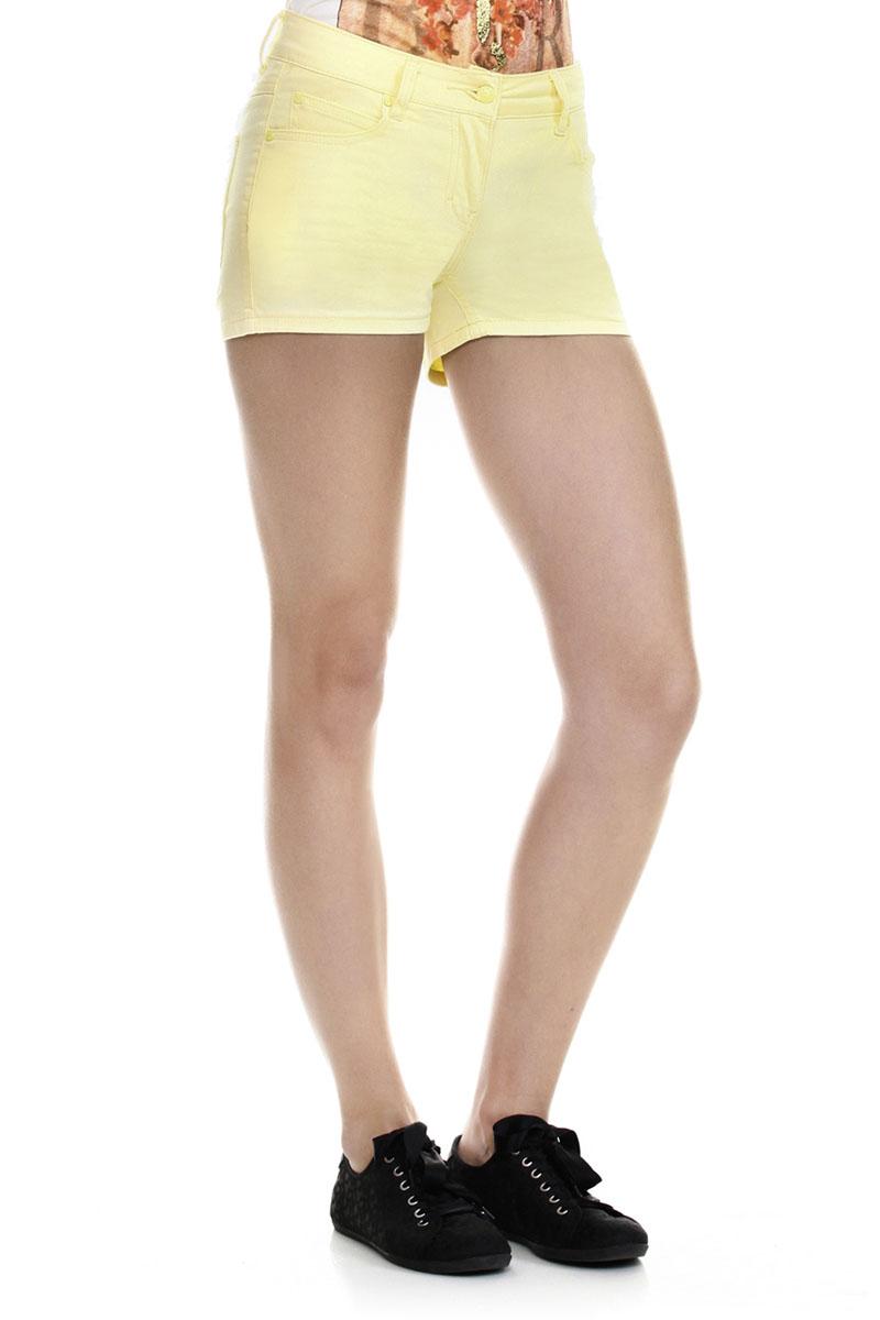 Шорты женские Baon, цвет: желтый. B325008_LEMONADE. Размер XS (42)B325008_LEMONADEЛетние шорты Baon выполнены из хлопка с добавлением эластана, они пропускают воздух, позволяя коже дышать и обладают высокой гигроскопичностью. Модель с ширинкой на застежке-молнии застегивается на пуговицу. Шорты дополнены двумя прорезными карманами спереди и двумя накладными карманами сзади. На поясе имеются шлевки для ремня. Стильные шорты - незаменимая вещь в летнем гардеробе каждой современной девушки.
