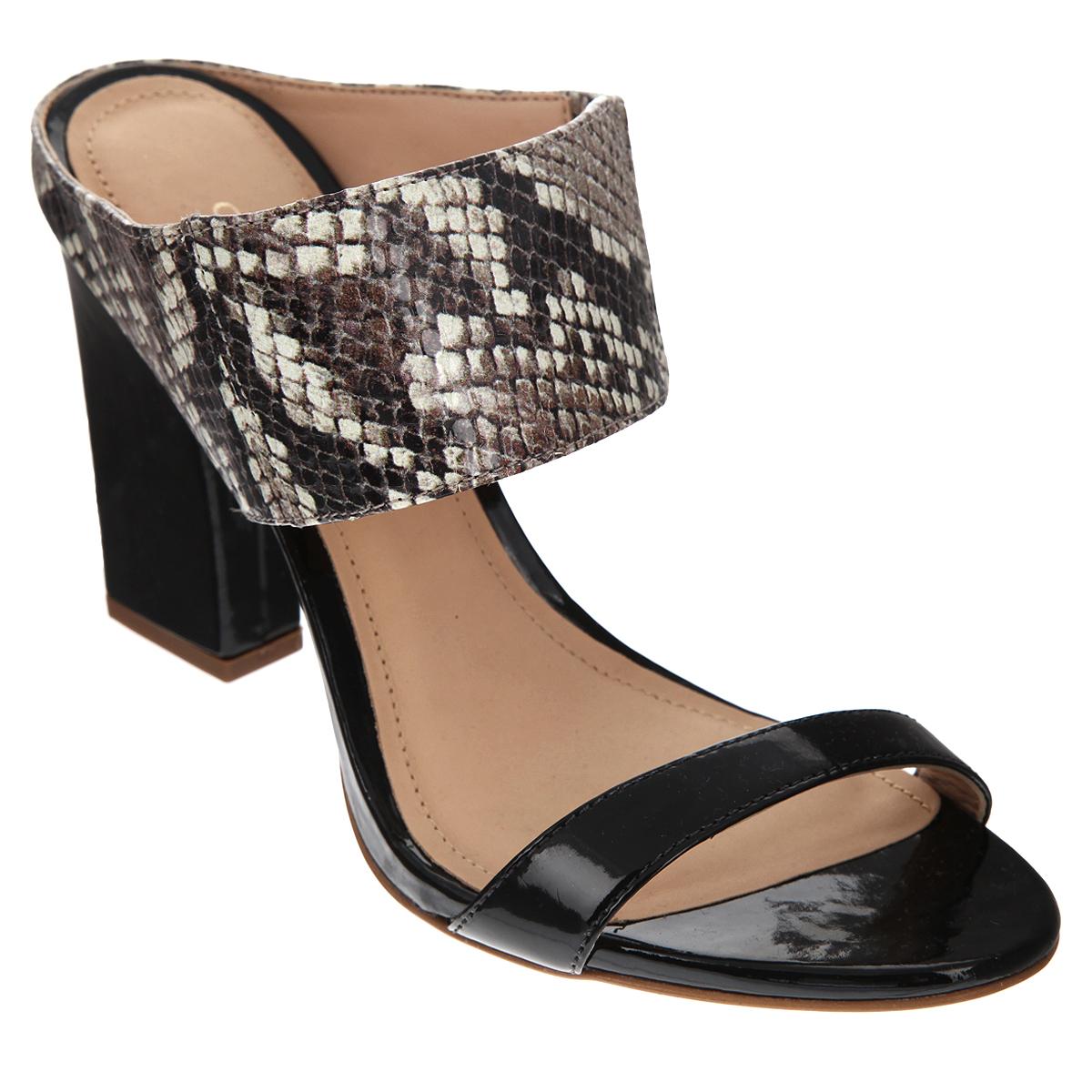 Сабо женские Cristofoli, цвет: коричневый, бежевый. 152194. Размер BRA 34 (35)152194Стильные сабо от Cristofoli - незаменимая вещь в гардеробе каждой женщины.Модель выполнена из натуральной высококачественной кожи. Верхний ремешок стилизован под чешую змеи и дополнен резинкой, обеспечивающей идеальную посадку обуви на ноге. Мягкая стелька и подкладка из натуральной кожи обеспечивают комфорт при ходьбе. Ультравысокий каблук компенсирован платформой. Подошва - с противоскользящим рифлением.Изысканные сабо прекрасно дополнят ваш женственный образ.
