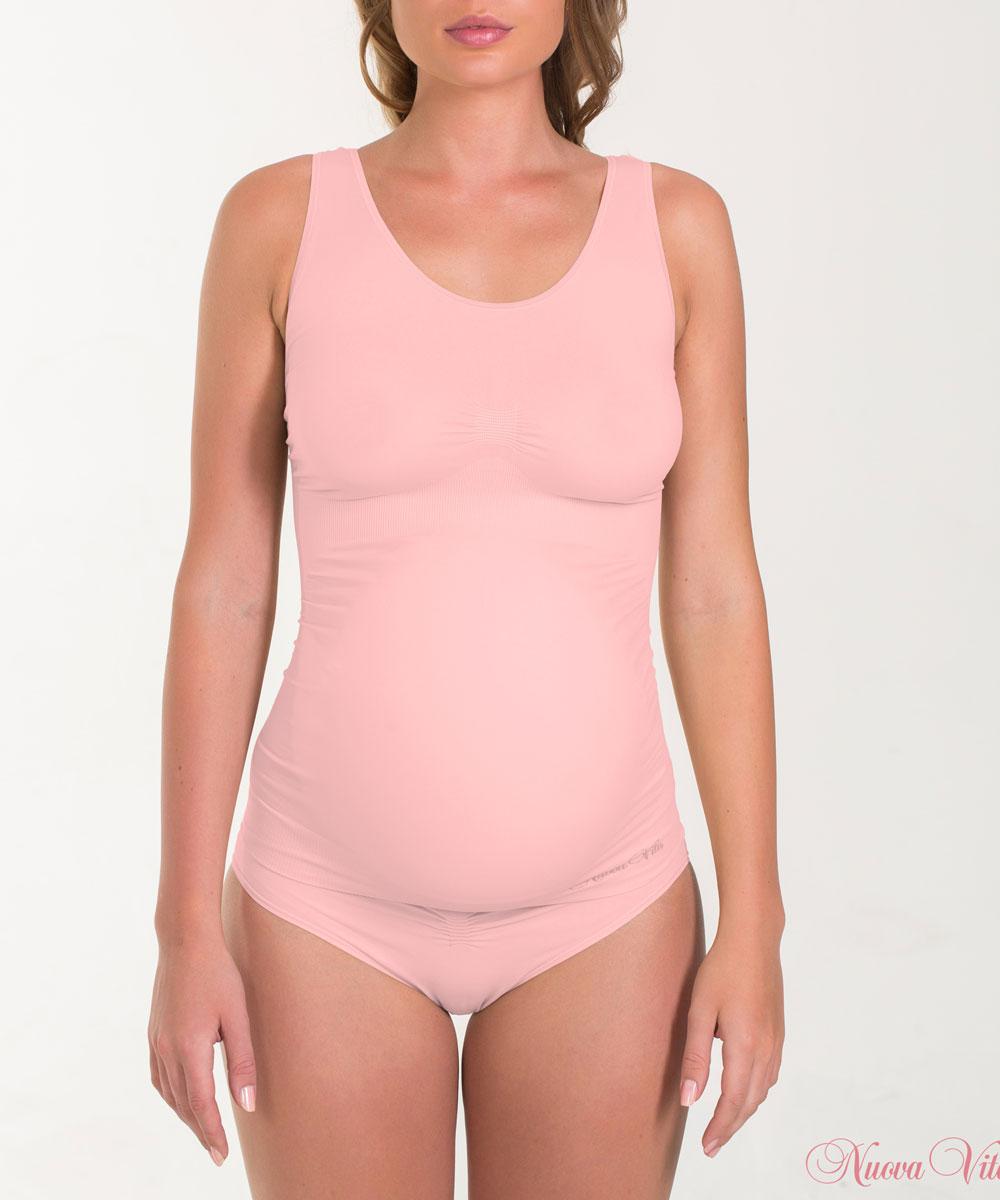 Майка для беременных Nuova Vita, бесшовная, цвет: коралловый. 14879. Размер L (46/48)14879Бесшовная майка для беременных Nuova Vita, изготовленная из мягкой микрофибры, идеально подходит для любого периода беременности. Отсутствие швов обеспечивает комфорт даже для чувствительной кожи и позволяет носить ее под облегающей одеждой.Шелковисто-мягкая нейлоновая ткань обеспечивает комфорт в течении всего дня. Это бесшовное белье предназначено, чтобы приспособиться к вашему телу и обеспечивает максимальный комфорт. Майка с антибактериальной защитой и влагоабсорбирующая.