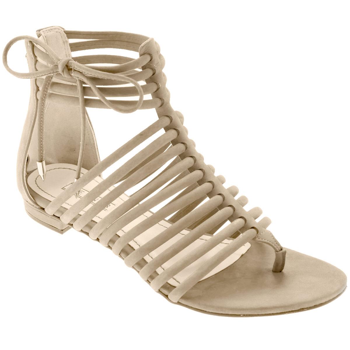 Сандалии женские Werner, цвет: бежевый. 0-53034. Размер 34 (35)0-53034Стильные сандалии от Werner займут достойное место среди вашей коллекции летней обуви. Модель выполнена из натурального нубука. Стелька из натуральной кожи обеспечивает комфорт при ходьбе.Эргономичная перемычка между пальцами и тонкие ремешки на подъеме и вокруг щиколотки отвечают за надежную фиксацию модели на ноге. Закрытая пятка дополнена удобной застежкой-молнией. Декорировано изделие бантиком из нубука с металлическими наконечниками Подошва выполнена из прочного полимера с противоскользящим рифлением.Модные сандалии прекрасно дополнят любой из ваших образов.