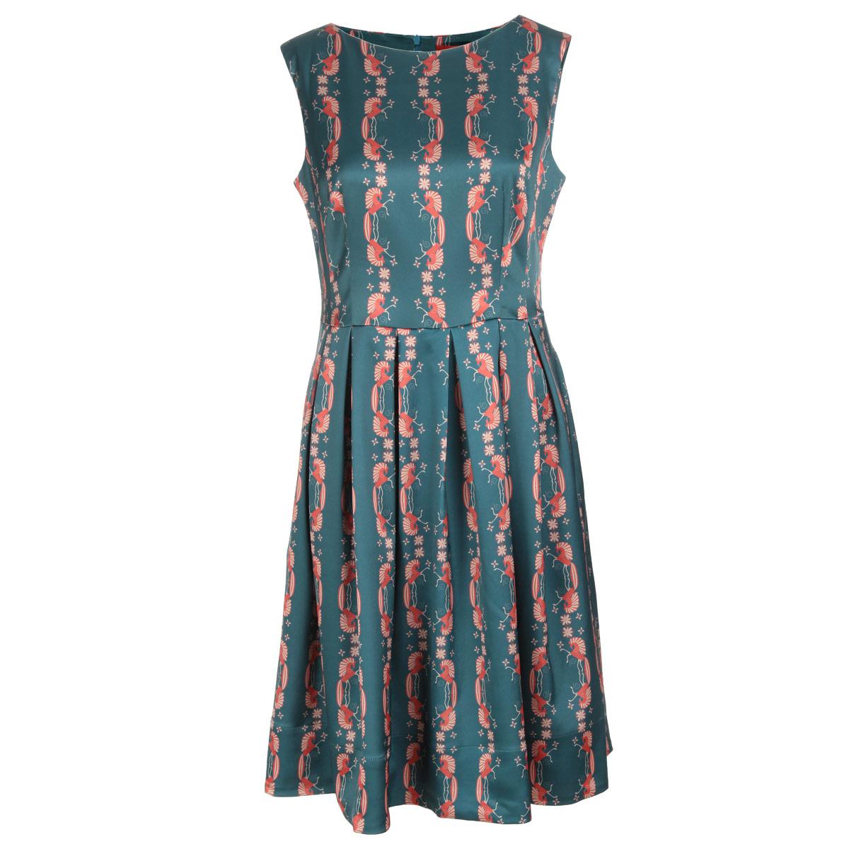 Платье Анна Чапман, цвет: серо-зеленый, красный. P01A4-8. Размер 44P01A4-8Элегантное платье Анна Чапман подарит вам удобство и поможет вам подчеркнуть свой вкус и неповторимый стиль.Изготовленное из плотной шелковистой ткани, оно мягкое на ощупь, не раздражает кожу и хорошо вентилируется. Модель с круглым вырезом горловины без рукавов на спинке застегивается на потайную застежку-молнию. По бокам изделие дополнено двумя втачными карманами. Эта модель подчеркивает талию и идеально сидит на груди благодаря выверенным вытачкам. Складки на отрезной юбке дарят образу романтичность. Оформлена модель принтом Кони. Этот орнамент символизирует счастье и движение к солнцу.В таком наряде вы, безусловно, привлечете восхищенные взгляды окружающих.