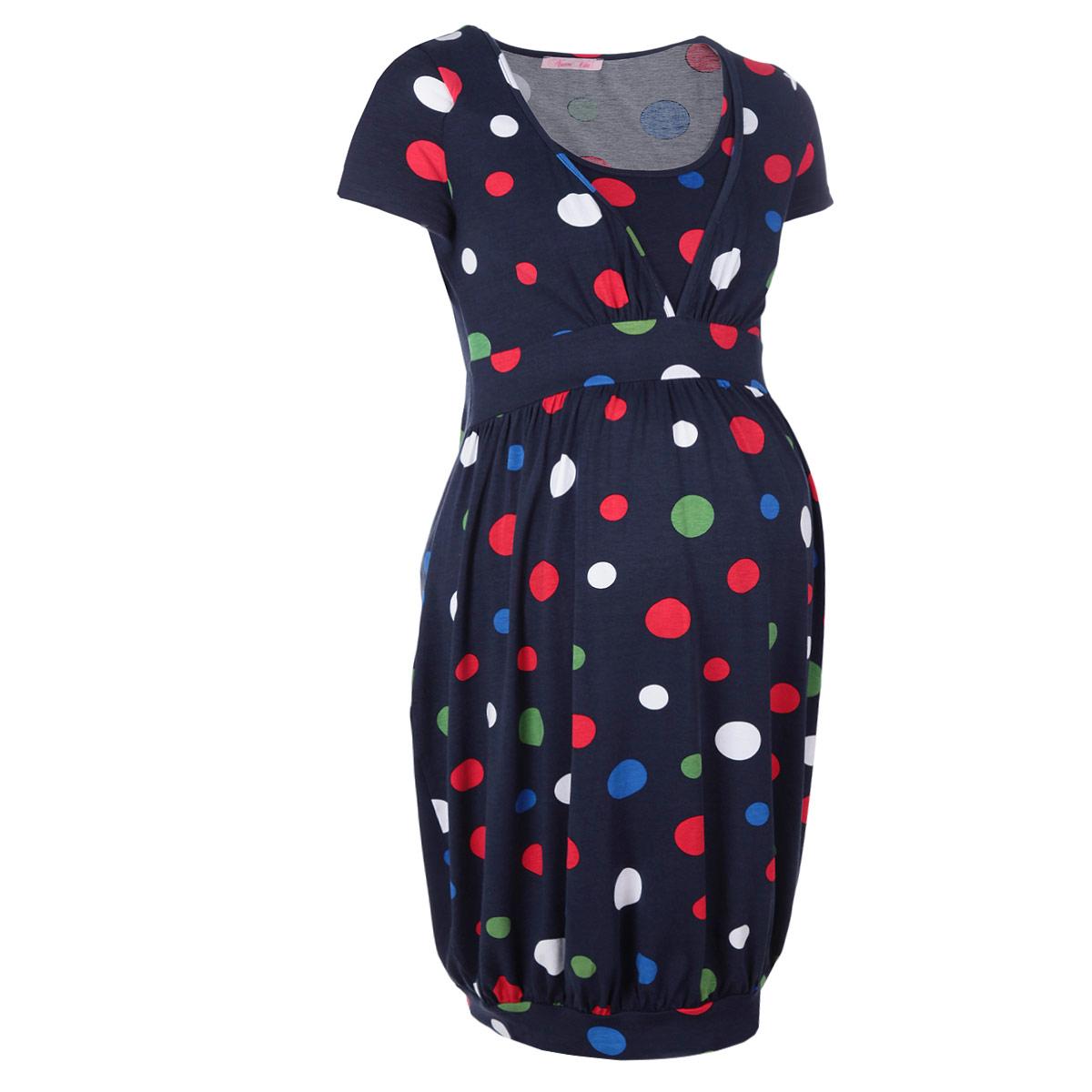 Платье для беременных и кормящих Nuova Vita, цвет: темно-синий. 2124.2. Размер 442124.2Стильное и удобное платье для будущих и кормящих мам Nuova Vita, изготовленное из эластичной вискозы, женственно и элегантно. Платье с короткими рукавами и круглым вырезом горловины подчеркнет очарование будущей мамы, а секрет для кормления сделает его функциональным в период вскармливания ребенка. Секрет кормления расположен по бокам и оформлен глубоким V-образным вырезом и дублирующим топом. Позволяет быстро и удобно покормить ребенка, где бы вы ни находились. Платье оформлено оригинальным принтом, подол дополнен широкой трикотажной резинкой. Это легкое и невероятно приятное на ощупь платье можно носить во время беременности и после родов, оно подарит вам удобство и комфорт, и подчеркнет ваше очарование в этот прекрасный период вашей жизни! Вискоза является волокном, произведенным из натурального материала - целлюлозы (древесины). Иногда ее называют древесный шелк. Эта ткань на ощупь мягкая и приятная, образует красивые складки. Материал очень хорошо впитывает влагу, не образует катышек со временем, не выцветает на солнце и обладает приятным шелковистым блеском.