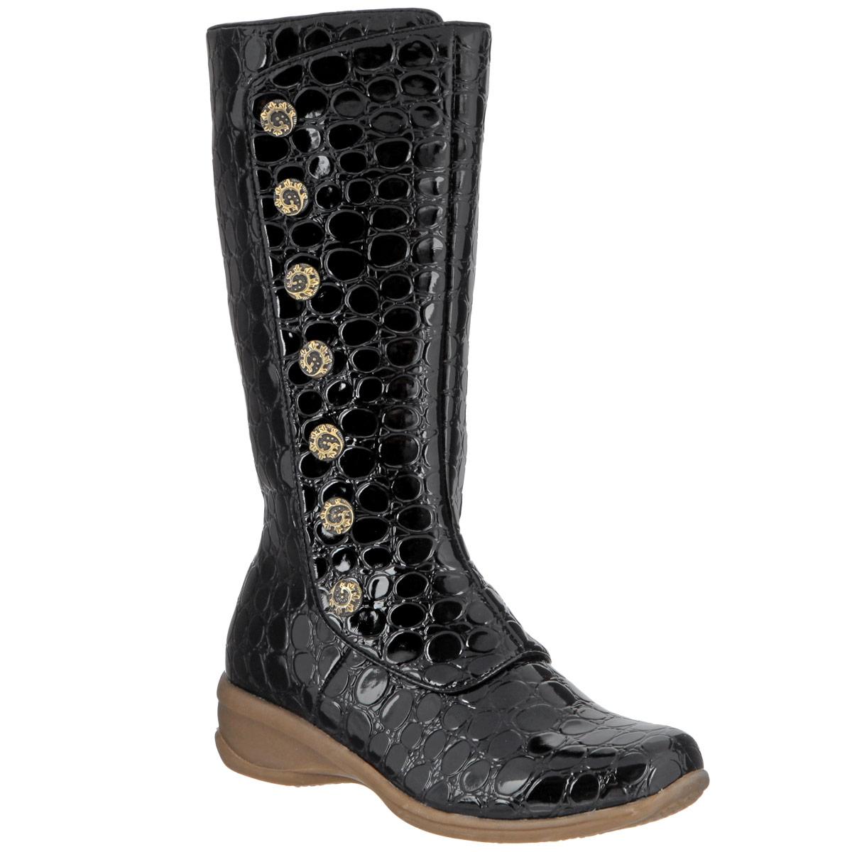 Сапоги для девочки Аллигаша, цвет: черный. 10-73. Размер 34 (33)10-73Стильные теплые сапоги для девочки Аллигаша обеспечат удобство и комфорт ножкам вашей дочурки в прохладную погоду. Сапоги выполнены из лаковой перфорированной экокожи и оформлены декоративными пуговичками по голенищу. Фиксация модели на ноге обеспечивается за счет длинной застежки-молнии, бегунок которой фиксируется хлястиком на липучку. Внутренняя текстильная отделка в клетку и стелька-ЭВА подарят тепло и уют.Невысокая устойчивая танкетка с противоскользящим рифлением гарантирует прекрасное сцепление на любой поверхности. Эти сапожки созданы для настоящих маленьких модниц!