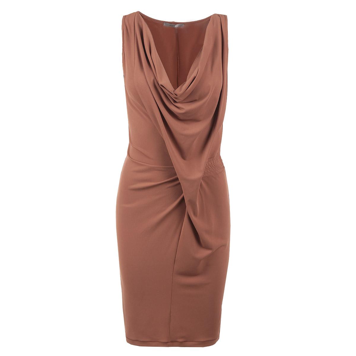 Платье Toy G, цвет: коричневый. 61D2H9. Размер M (46)61D2H9Оригинальное женское платье Toy G, выполненное из высококачественного материала, будет отлично смотреться на вас. Модель оригинального кроя с глубоким V-образным каскадным вырезом горловины и без рукавов. С боку на талии платье оформлено вставкой с эластичной резинкой.Это платье идеальный вариант для вашего гардероба. Идеальный вариант для создания эффектного образа.