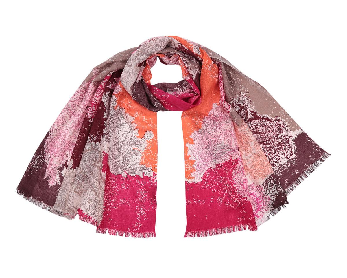 Шарф женский Fabretti, цвет: оранжевый, фуксия, темно-коричневый. B216-2. Размер 180 см х 70 смB216-2Модный женский шарф Fabretti подарит вам уют и станет стильным аксессуаром, который призван подчеркнуть вашу индивидуальность и женственность. Шарф выполнен из 100% шерсти, оформлен оригинальным принтом с красочным восточным орнаментом и цветными пятнами, а также дополнен тонкой бахромой по краям.Этот модный аксессуар гармонично дополнит образ современной женщины, следящей за своим имиджем и стремящейся всегда оставаться стильной и элегантной. Такой шарф украсит любой наряд и согреет вас в непогоду, с ним вы всегда будете выглядеть изысканно и оригинально.