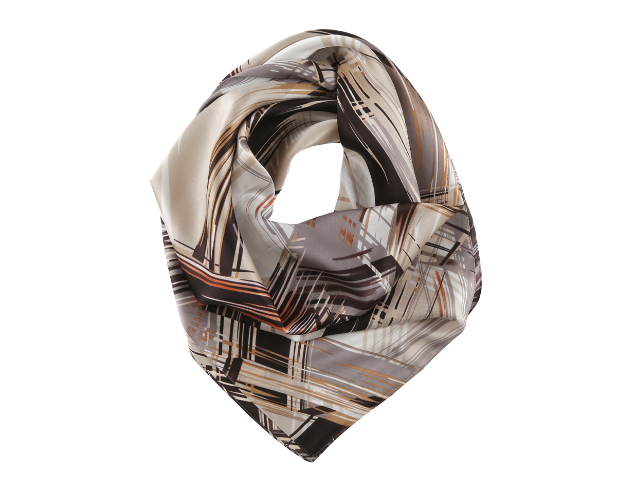 Платок женский Fabretti, цвет: мультицвет. MSK7099-B. Размер 86 см х 86 смMSK7099-BОригинальный шелковый женский платок Fabretti хочется носить бесконечно, что вполне реально благодаря высокому качеству.Модель изготовлена из 100% шелка и оформлена ярким абстрактным узором. Дизайн полотна придает модели удивительно динамичное и яркое настроение. Края модели по периметру обработаны строчкой. Платок можно повязать на шею, украсить им причёску или повесить на сумочку. Платок Fabretti добавит изысканности в ваш образ и привлечет всеобщее внимание.