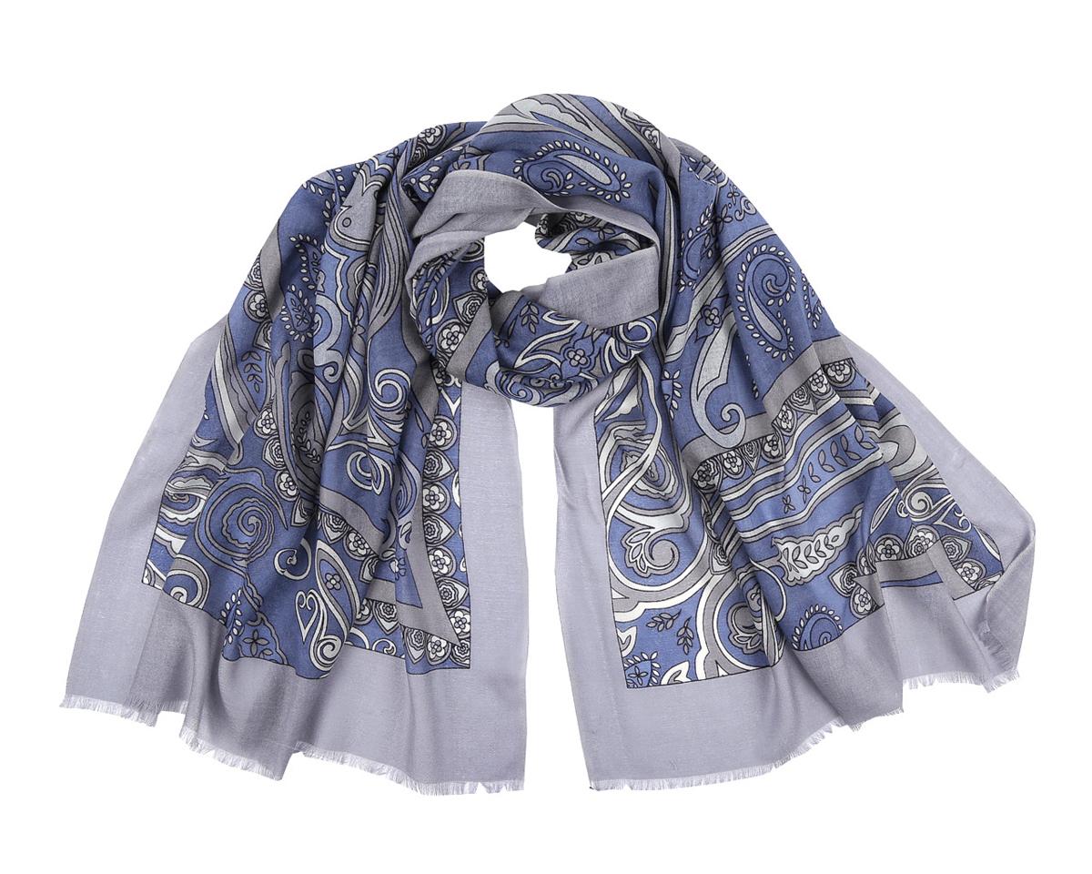 Шарф женский Fabretti, цвет: серый, синий. YNNT01212-18. Размер 70 см х 188 смYNNT01212-18Элегантный шарф от Fabretti поможет внести живость в любой образ, подарит уют и согреет от холодного ветра. Модель изготовлена из мерсеризованной шерсти, благодаря чему полотно шарфа тонкое и теплое. Шарф украшен красивым этническим узором. Края модели декорированы бахромой.Этот модный аксессуар женского гардероба гармонично дополнит образ современной женщины, следящей за своим имиджем и стремящейся всегда оставаться стильной и элегантной.