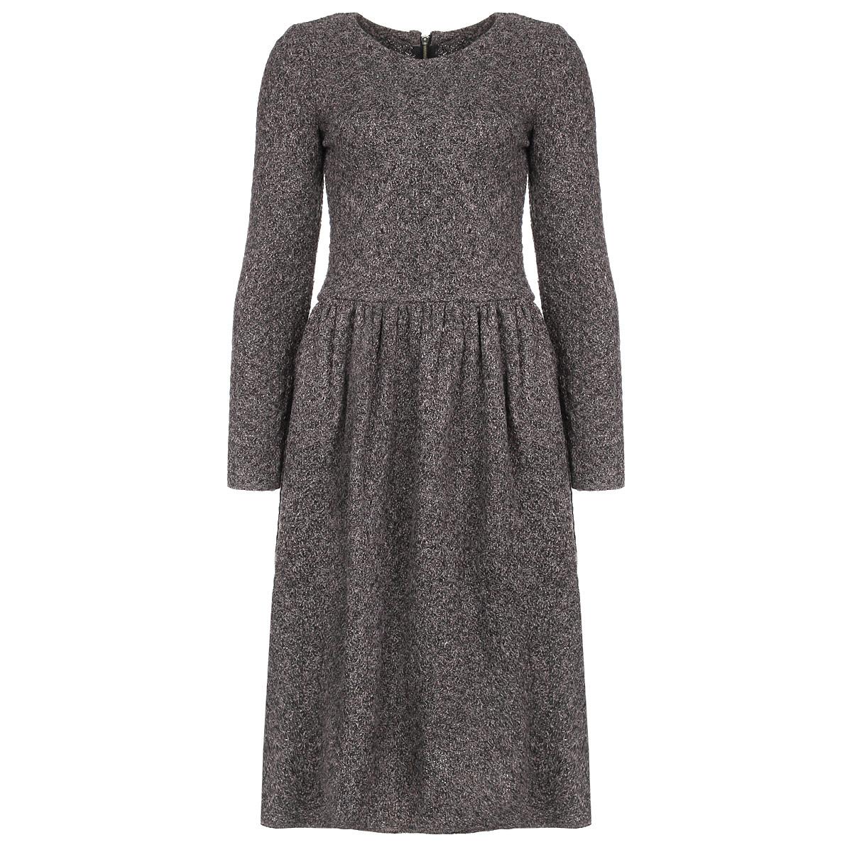 Платье Milana Style, цвет: серый. 904. Размер 56904Стильное вязаное платье Milana Style изготовлено из высококачественной шерсти. Такое платье обеспечит вам комфорт и удобство при носке.Платье с длинными рукавами и с круглым вырезом горловины застегивается по спинке на металлическую застежку-молнию. От линии талии заложены складочки. Фактурная вязка придает изделию оригинальность. По бокам предусмотрены два втачных кармана, украшенных вставками из искусственной кожи. Приталенный силуэт великолепно подчеркнет достоинства фигуры. Это модное и удобное платье станет превосходным дополнением к вашему гардеробу, оно подарит вам удобство и поможет вам подчеркнуть свой вкус и неповторимый стиль.