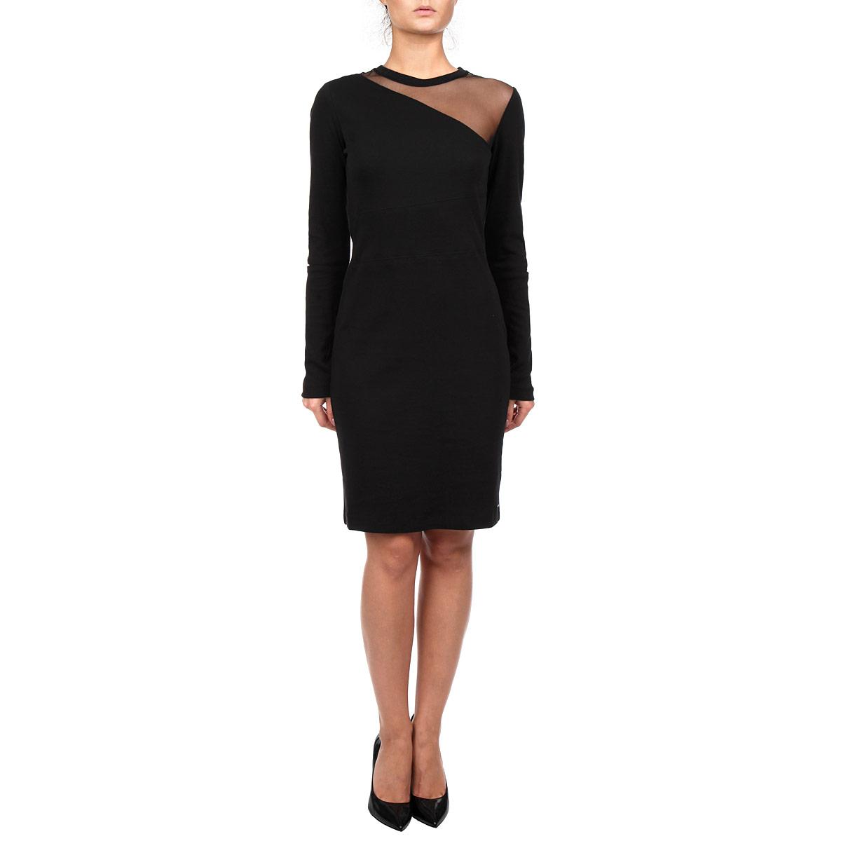 Платье Diesel, цвет: черный. 00SLL7-0QAIN/900. Размер S (44)00SLL7-0QAIN/900Оригинальное платье Diesel изготовлено из высококачественного 100% хлопка. Такое платье обеспечит вам комфорт и удобство при носке.Модель с круглым вырезом горловины и длинными рукавами выгодно подчеркнет все достоинства вашей фигуры, благодаря приталенному силуэту. Платье на одном плече оформлено вставкой из полупрозрачной сетки, а рукава на локтях дополнены прорезями. Изысканное однотонное платье-миди создаст обворожительный и неповторимый образ.Это модное и удобное платье станет превосходным дополнением к вашему гардеробу, оно подарит вам удобство и поможет вам подчеркнуть свой вкус и неповторимый стиль.