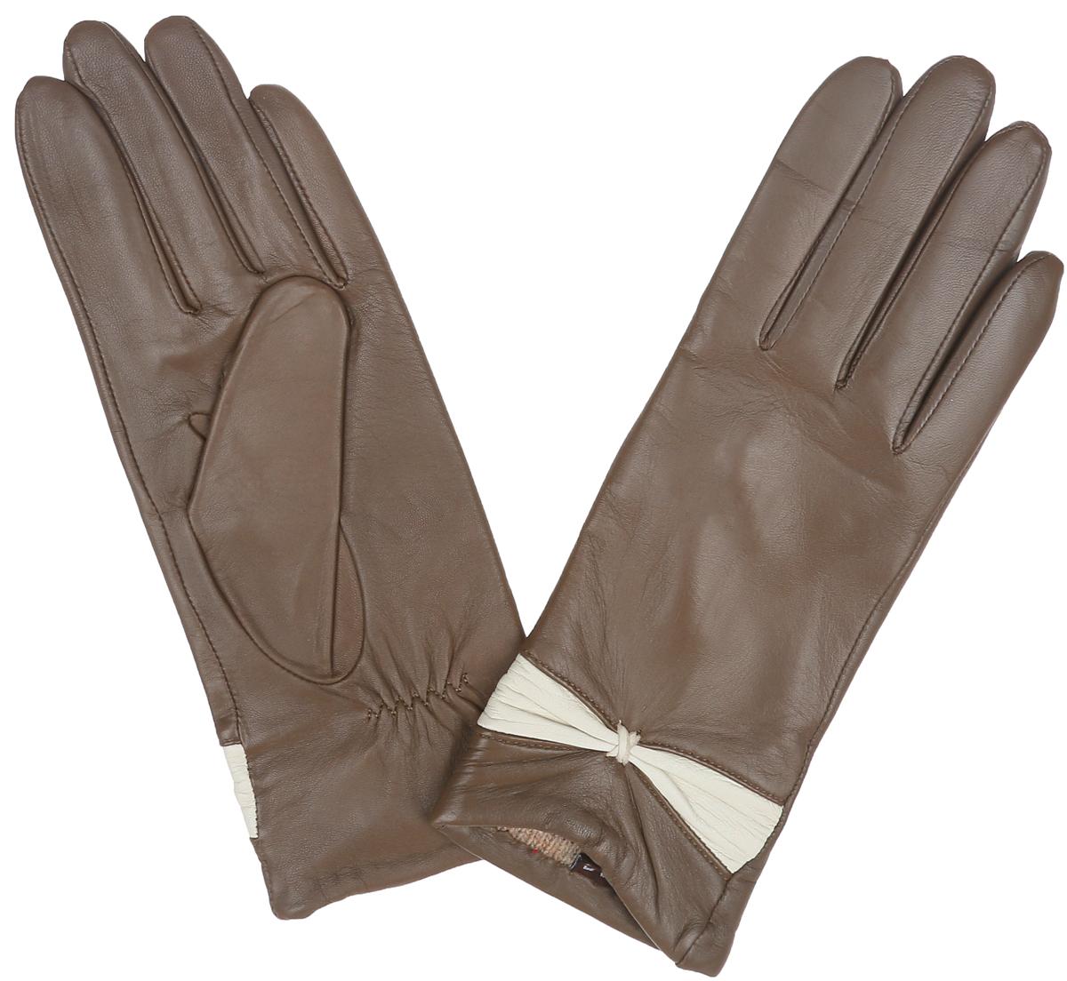 Перчатки женские Labbra, цвет: серо-коричневый, бежевый. LB-3015. Размер 7LB-3015Классические женские перчатки Labbra не только защитят ваши руки, но и станутвеликолепным украшением. Перчатки выполнены из чрезвычайно мягкой иприятной на ощупь натуральной кожи ягненка, а их подкладка - из натуральнойшерсти с добавлением акрила. Внешняя сторона перчатки декорирована кожаной вставкой в виде элегантного бантика. Внутренняя сторона дополнена аккуратной сборкой.В настоящее время перчатки являютсянеотъемлемой принадлежностью одежды, вместе с этим аксессуаром выобретаете женственность и элегантность. Перчатки станут завершающим иподчеркивающим элементом вашего стиля и неповторимости.