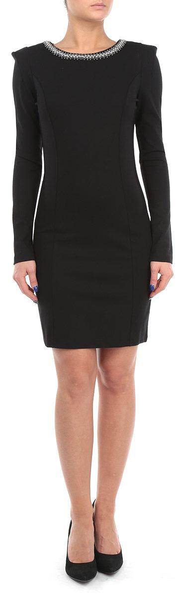 Платье Baon, цвет: черный. B455510. Размер XL (50)B455510Элегантное платье Baon изготовлено из высококачественной эластичной вискозы с добавлением полиамида, гладкой и приятной на ощупь. Такое платье приятно к телу, обеспечит вам комфорт и удобство при носке.Модель с круглым вырезом горловины и длинными рукавами выгодно подчеркнет все достоинства вашей фигуры благодаря приталенному силуэту. Платье оформлено вышивкой стразами и блестящими бусинами по горловине, застегивается на застежку-молнию на спинке. Изысканное платье-миди создаст обворожительный и неповторимый образ.Это модное и удобное платье станет превосходным дополнением к вашему гардеробу, оно подарит вам удобство и поможет вам подчеркнуть свой вкус и неповторимый стиль.