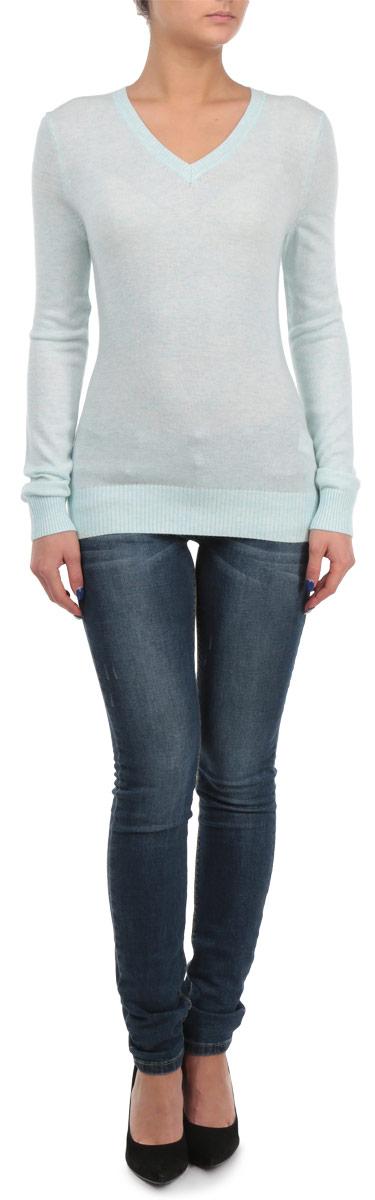 Пуловер женский Baon, цвет: голубой. B135707. Размер M (46)B135707Элегантный женский пуловер Baon, выполнен из трикотажа с добавлением ангоры, благодаря чему имеет нежную поверхность и гарантирует комфортный уровень поддержания тепла. Модель с V-образным вырезом и длинными рукавами. Низ и манжеты изделия выполнены мелкой резинкой.Стильный и универсальный пуловер - отличный выбор для повседневного ношения.