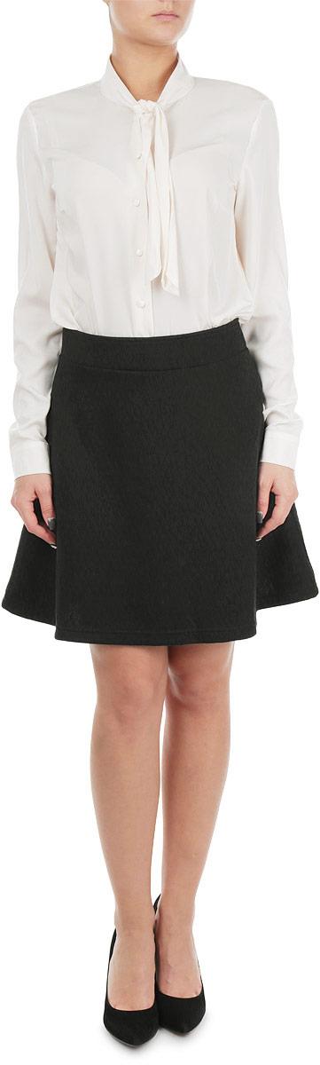 Блузка женская Baon, цвет: кремовый. B175512_CREAM. Размер XL (50)B175512_CREAMСтильная женская блузка Baon, выполненная из мягкого, приятного на ощупь материала, незаменимая вещь в гардеробе любой деловой женщины. Модель с воротником-аскот и длинными рукавами застегивается по всей длине и на манжетах на пуговицы, соответствующие тону материала. Прямой крой блузки подойдет фигуре любого типа. Эта модная блузка станет отличным дополнением к вашему гардеробу.