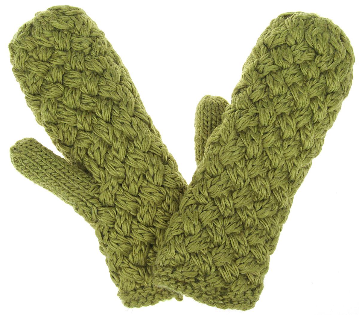 Варежки R.Mountain, цвет: зеленый. 8185. Размер 6/98185Теплые вязаные варежки R.Mountain - идеальный аксессуар для зимних холодов, внутри имеют мягчайшую плюшевую подкладку, для вашего комфорта и удобной носки. Мягкий цвет, а также крупная вязка придает образу неотразимый вид, а приятный на ощупь шерстяной материал дарит ощущение тепла и комфорта. Одна из варежек оформлена не большим деревянным элементом в виде логотипа бренда. Сочетать этот аксессуар можно с любыми цветами гардероба.