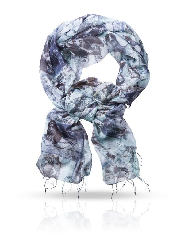 Палантин Michel Katana, цвет: темно-синий, серый. S-POSTE. Размер 110 см x 180 смS-POSTE/WHITEПалантин Michel Katana, выполненный из натурального шелка, идеально дополнит образ современной женщины. Благодаря своему составу, он удивительно мягкий и очень приятный на ощупь. Модель оформлена винтажным принтом с изображением открыток. Края палантина дополнены тонкими кисточками, скрученными в жгутики. Такой аксессуар станет стильным дополнением к гардеробу современной женщины.
