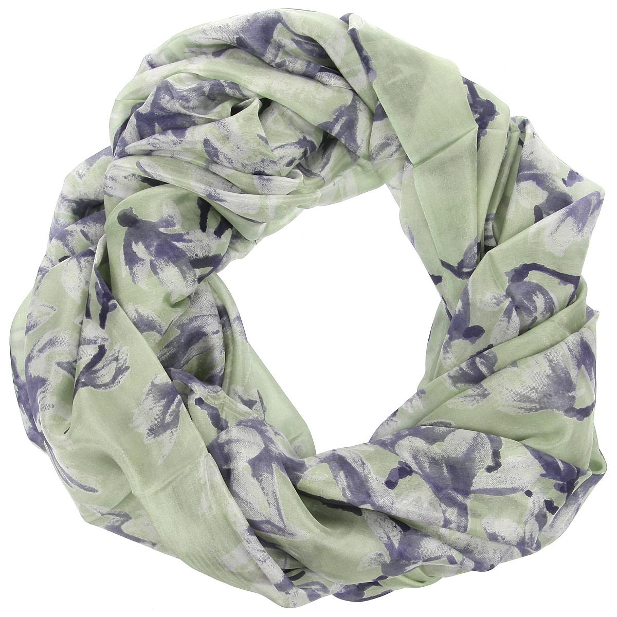 Палантин Michel Katana, цвет: светло-зеленый, серый. S-ORCHID/PISTA. Размер 110 см x 180 смS-ORCHID/PISTAОчаровательный палантин Michel Katana подчеркнет ваш неповторимый образ.Модель изготовлена из 100% шелка. Палантин очень мягкий и приятный на ощупь, хорошо драпируется. Размер этого палантина позволяет уютно закутаться в него прохладным вечером. Дизайн полотна придает модели удивительно динамичное и яркое настроение. Края палантина декорированы кисточками, скрученными в жгутики.Этот модный аксессуар женского гардероба гармонично дополнит образ современной женщины, следящей за своим имиджем и стремящейся всегда оставаться стильной и элегантной.