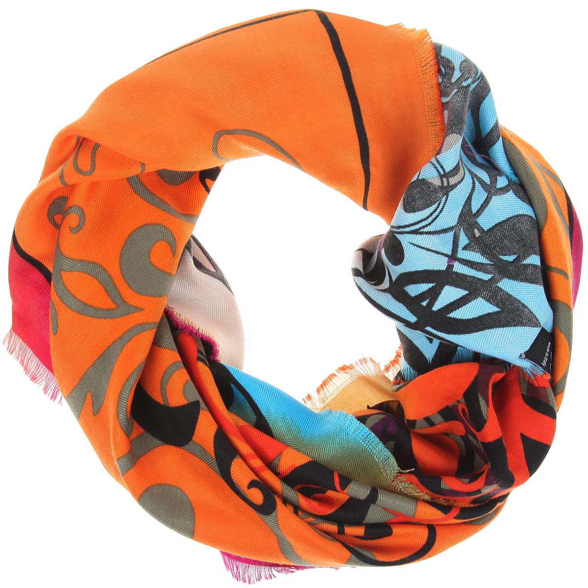 Платок женский Sophie Ramage, цвет: оранжевый, мультиколор. BH-11531-15. Размер 90 см х 90 смBH-11531-15Элегантный платок от Sophie Ramage внесет изысканные нотки в ваш образ. Модель выполнена из модала с добавлением кашемира и декорирована изумительным орнаментом. Края платка оформлены бахромой.Этот модный аксессуар женского гардероба гармонично дополнит образ современной женщины, следящей за своим имиджем и стремящейся всегда оставаться стильной и женственной.