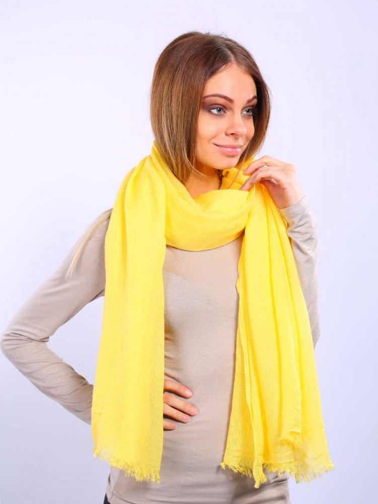 Палантин Venera, цвет: желтый. 2713401-22. Размер 100 см х 200 см2713401-22Элегантный палантин Venera подчеркнет ваш неповторимый образ. Привлекательное изделие, которое как нельзя будет, кстати, в холодные сезоны и с повседневной одеждой. Мягкий женский палантин, однотонный, имеет простенький, но и одновременно стильный дизайн, а приятная текстура ткани еще и очень комфортная и уютная.