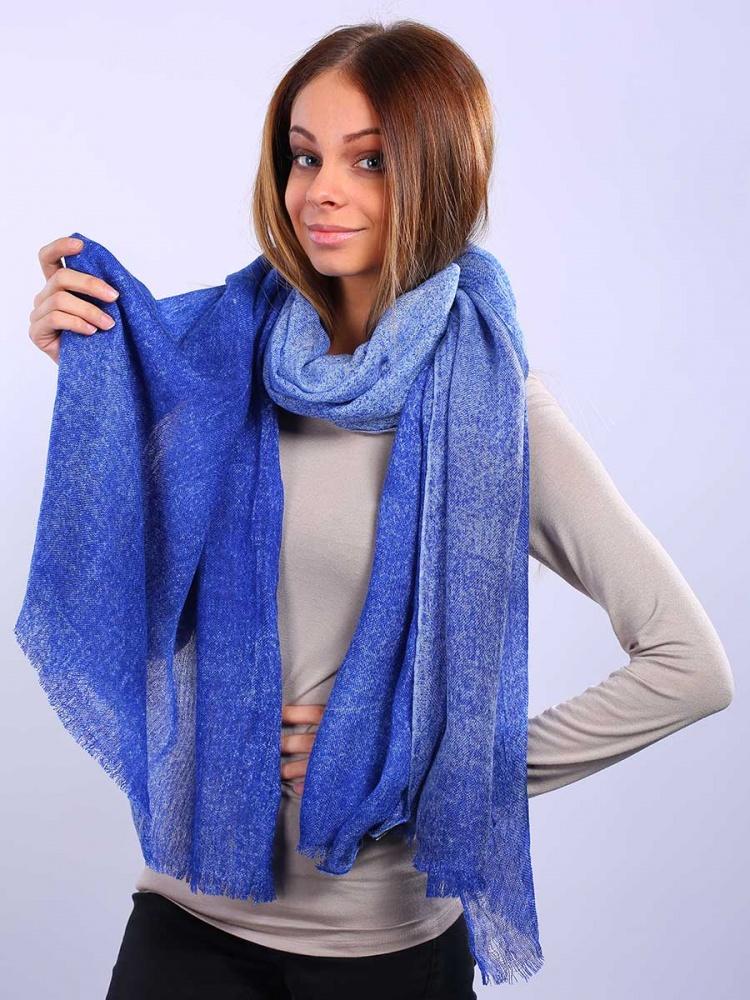 Палантин Venera, цвет: синий, голубой. 2713701-11. Размер 100 см х 190 см2713701-11Привлекательный палантин Venera как нельзя будет кстати в холодные сезоны и с повседневной одеждой. Мягкий женский палантин стильного дизайна с приятной текстурой ткани, очень комфортный и уютный.Этот модный аксессуар женского гардероба гармонично дополнит образ современной женщины, следящей за своим имиджем и стремящейся всегда оставаться стильной и элегантной. В этом палантине вы всегда будете выглядеть женственной и привлекательной.