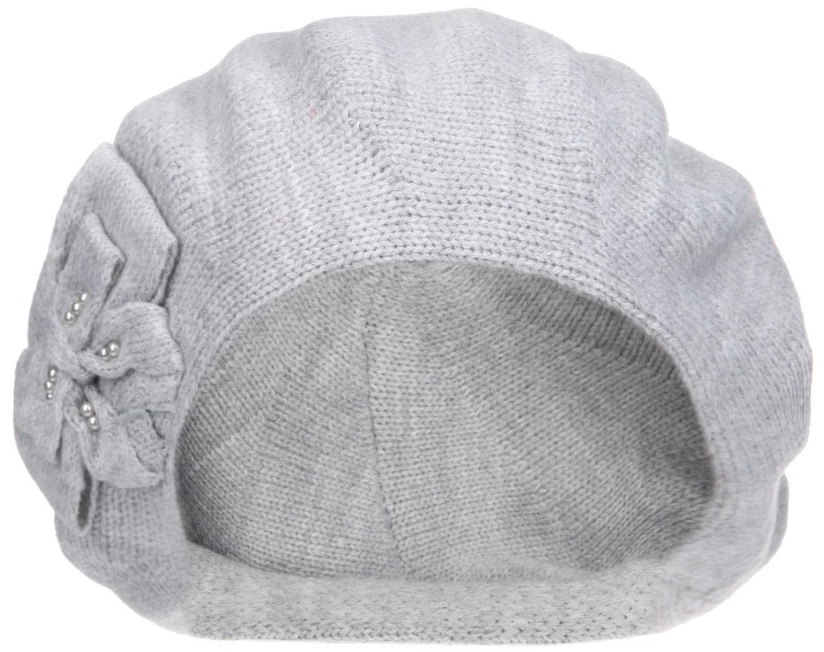 Берет женский Flioraj, цвет: светло-серый. 1-003-046м. Размер 581-003-046мЭлегантный женский берет Flioraj отлично дополнит ваш образ в холодную погоду. Берет выполнен из высококачественной комбинированной пряжи, что позволяет ему максимально сохранять тепло и обеспечивает удобную посадку. Берет оформлен вязаным бантом. Такая модель комфортна и приятна на ощупь, она великолепно подчеркнет ваш вкус и подойдет к любому наряду.Такой берет станет отличным дополнением к вашему осеннему или зимнему гардеробу, в нем вам будет уютно и тепло! Уважаемые клиенты!Размер, доступный для заказа, является обхватом головы.