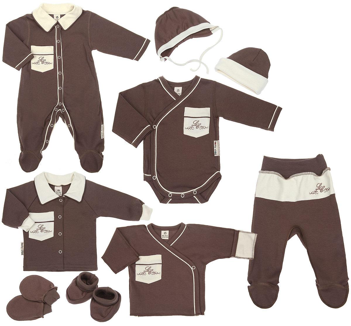 Подарочный комплект для новорожденного Lucky Child Классик, 9 предметов, цвет: кофейный, молочный. 20-1000. Размер 62/6820-1000Комплект для новорожденного Lucky Child Классик - это замечательный подарок, который прекрасно подойдет для первых дней жизни младенца. Комплект состоит из комбинезона, боди-кимоно, распашонки-кимоно, кофточки, ползунков, шапочки, чепчика, рукавичек и пинеток. Изготовленный из натурального хлопка, он необычайно мягкий и приятный на ощупь, не сковывает движения ребенка и позволяет коже дышать, не раздражает даже самую нежную и чувствительную кожу ребенка, обеспечивая ему наибольший комфорт.Комбинезон с длинными рукавами, отложным воротником контрастного цвета и закрытыми ножками имеет застежки-кнопки от горловины до пяточек, которые помогают легко переодеть младенца или сменить подгузник. На груди изделие дополнено накладным кармашком, украшенным вышивкой. Швы выполнены наружу.Удобное боди-кимоно с длинными рукавами и V-образным вырезом горловины имеет удобные застежки-кнопки по принципу кимоно, а также кнопки на ластовице, которые помогают легко переодеть младенца и сменить подгузник. На груди изделие дополнено накладным кармашком, украшенным вышивкой. Швы выполнены наружу. Распашонка-кимоно с V-образным вырезом горловины и длинными рукавами-кимоно имеет застежки-кнопки по принципу кимоно, благодаря которым, модель можно полностью расстегнуть. А благодаря рукавичкам ребенок не поцарапает себя. Ручки могут быть как открытыми, так и закрытыми. На груди изделие дополнено накладным кармашком, украшенным вышивкой. Швы выполнены наружу.Кофточка с длинными рукавами-реглан и отложным воротником контрастного цвета спереди застегивается на металлические кнопки, что помогает с легкостью переодеть ребенка. Рукава имеют широкие эластичные манжеты. На груди изделие дополнено накладным кармашком, украшенным вышивкой. Ползунки, благодаря мягкому и широкому поясу, не сдавливают животик младенца и не сползают. Они идеально подходят для ношения с подгузником. 